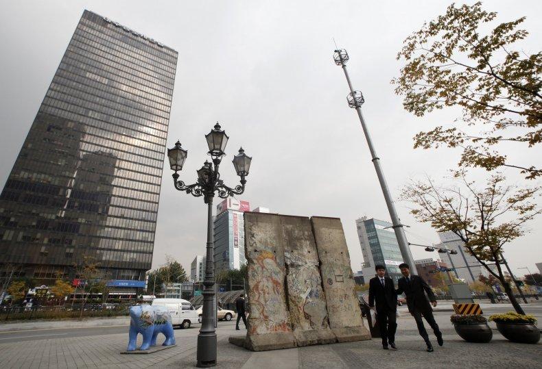 11-10-14 Berlin Wall Seoul