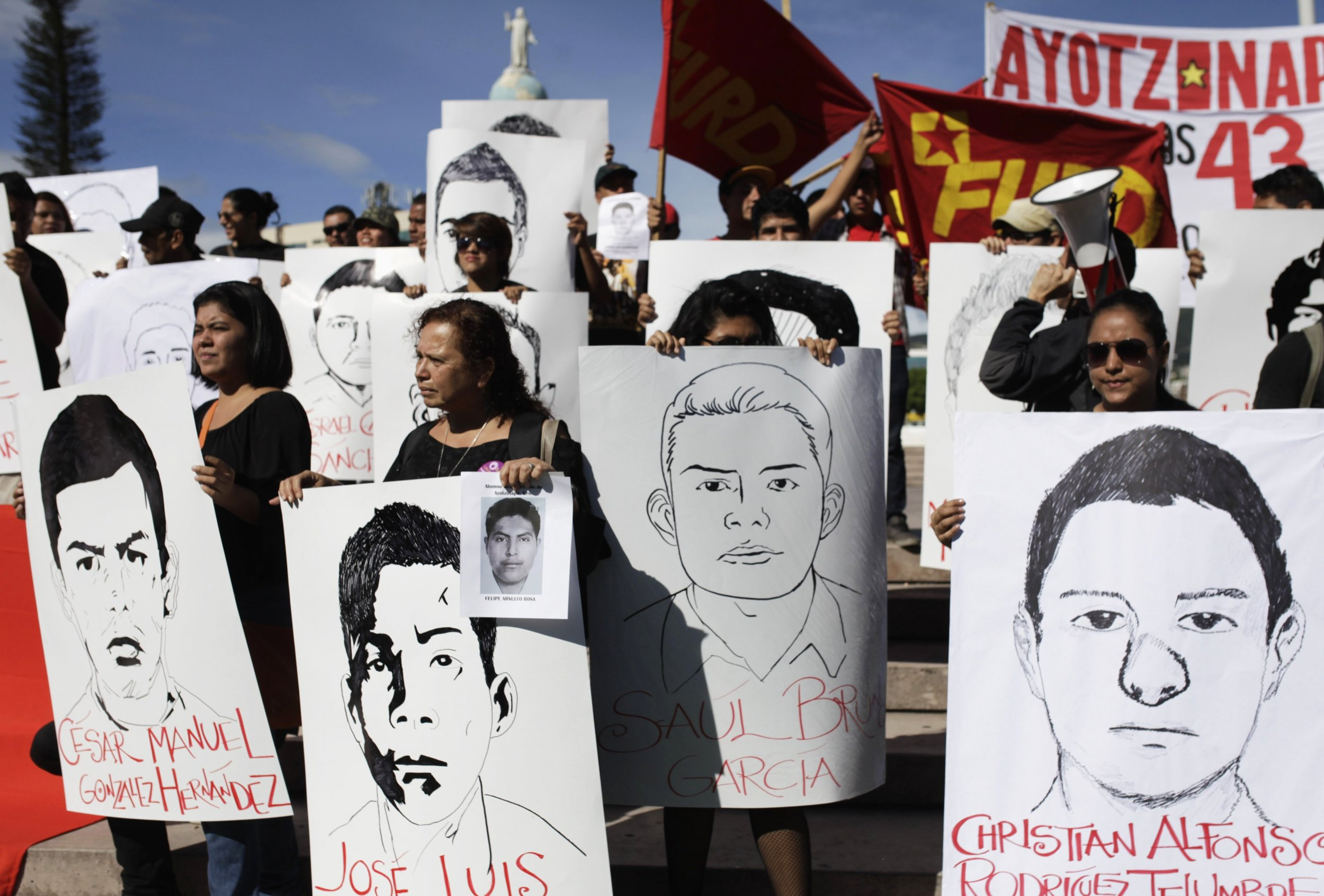 11-21-14 Mexico protests 12