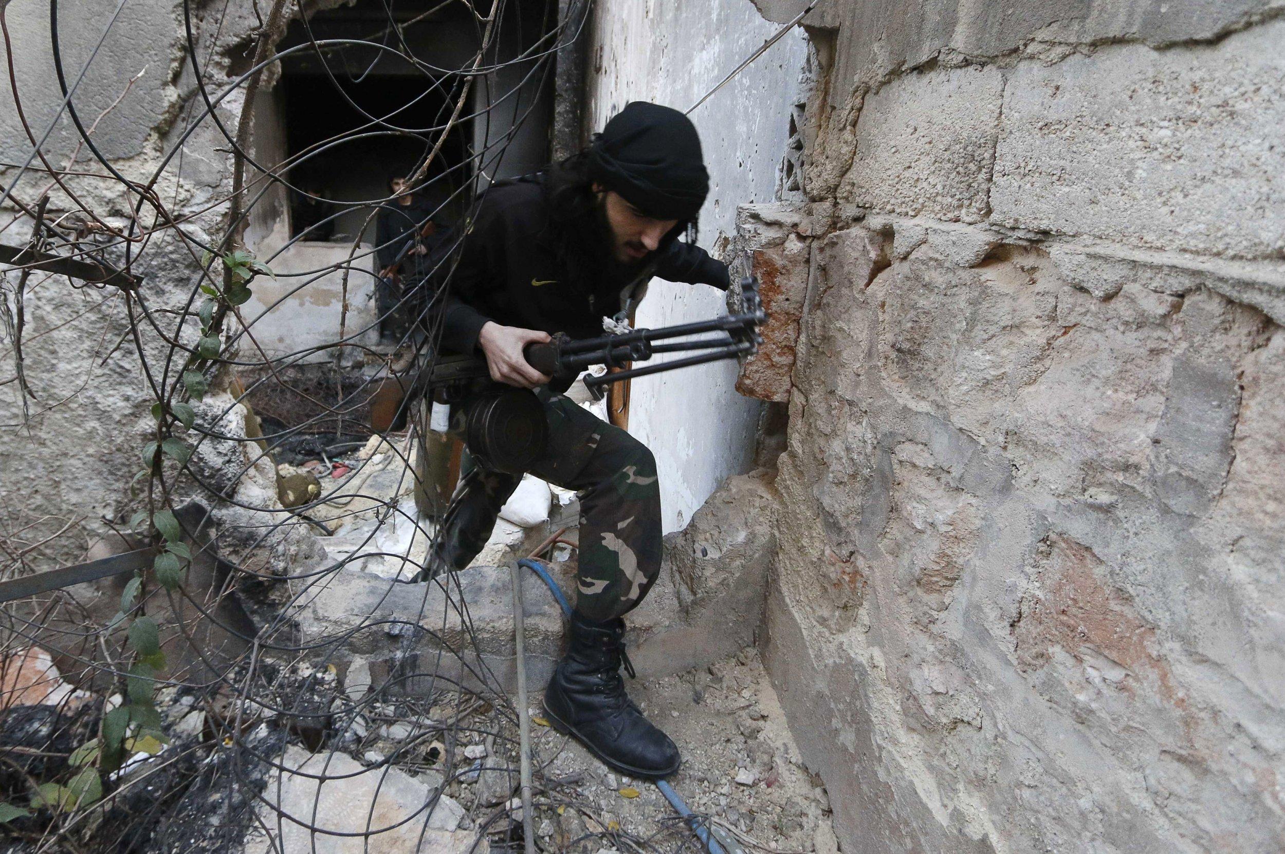 2014-12-01T153149Z_2_LYNXNPEAB014P_RTROPTP_4_SYRIA-CRISIS