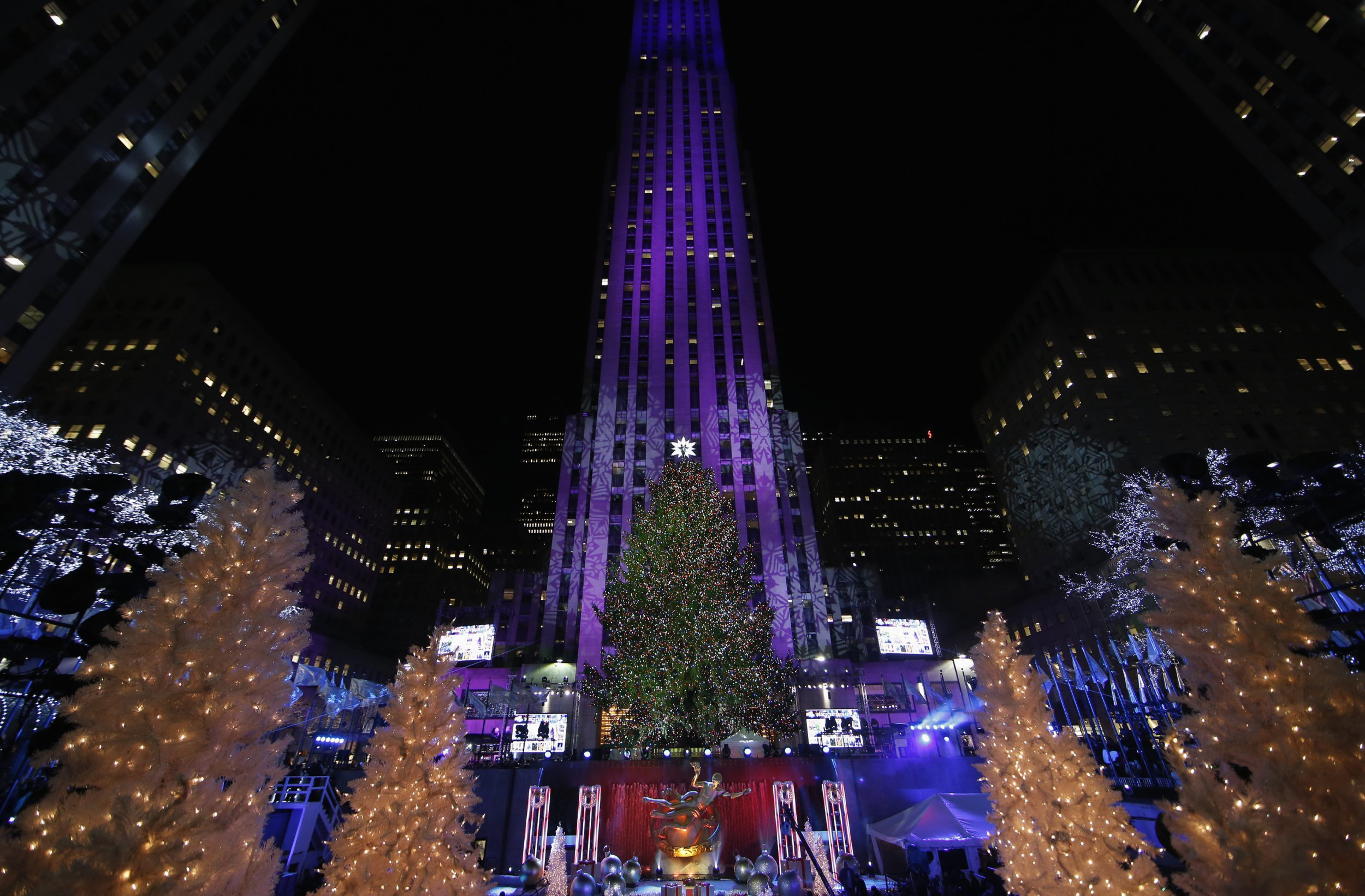 Photos: It's Beginning to Look a Lot Like Christmas