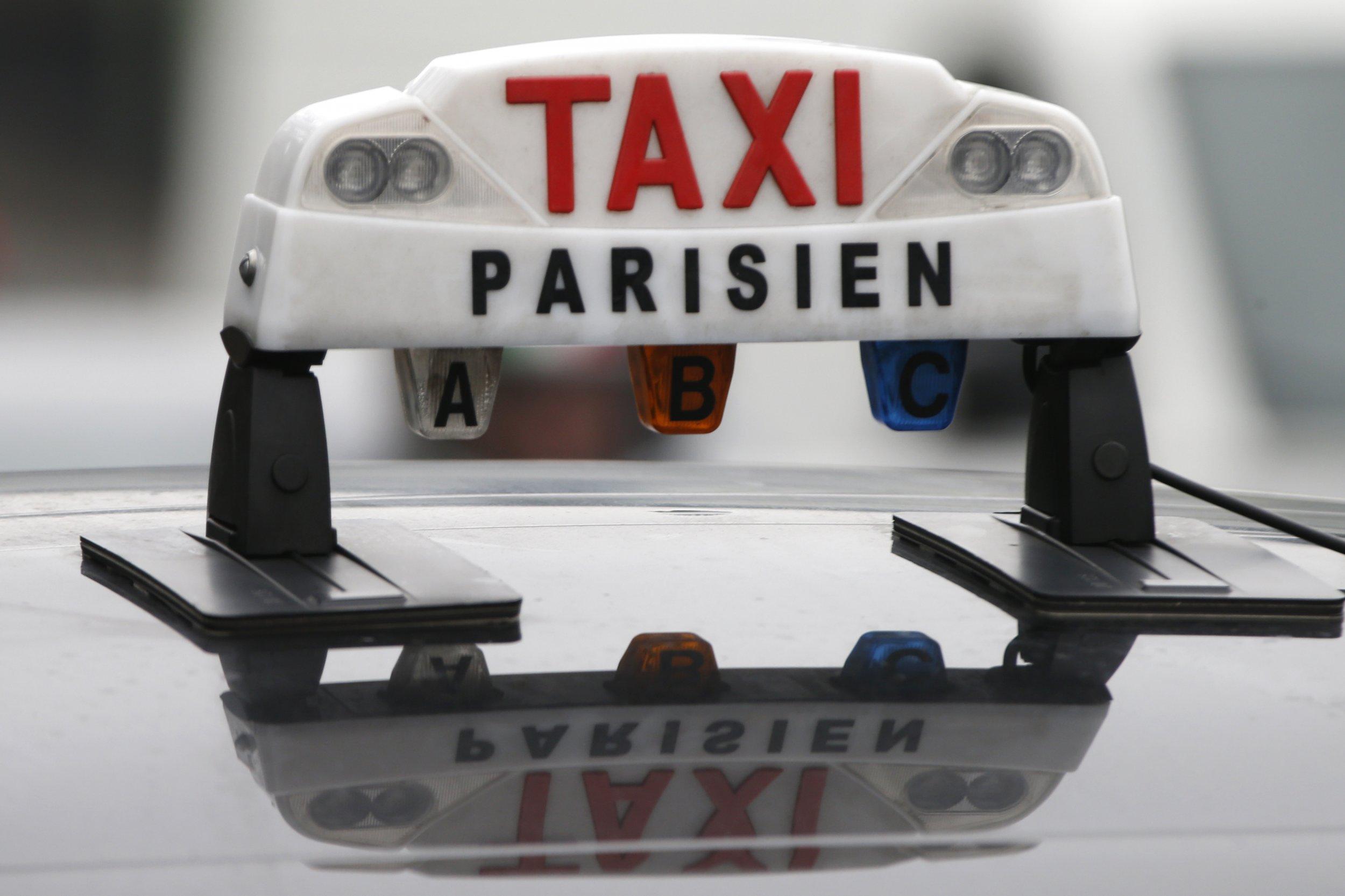 france to ban uber after taxi driver protest. Black Bedroom Furniture Sets. Home Design Ideas
