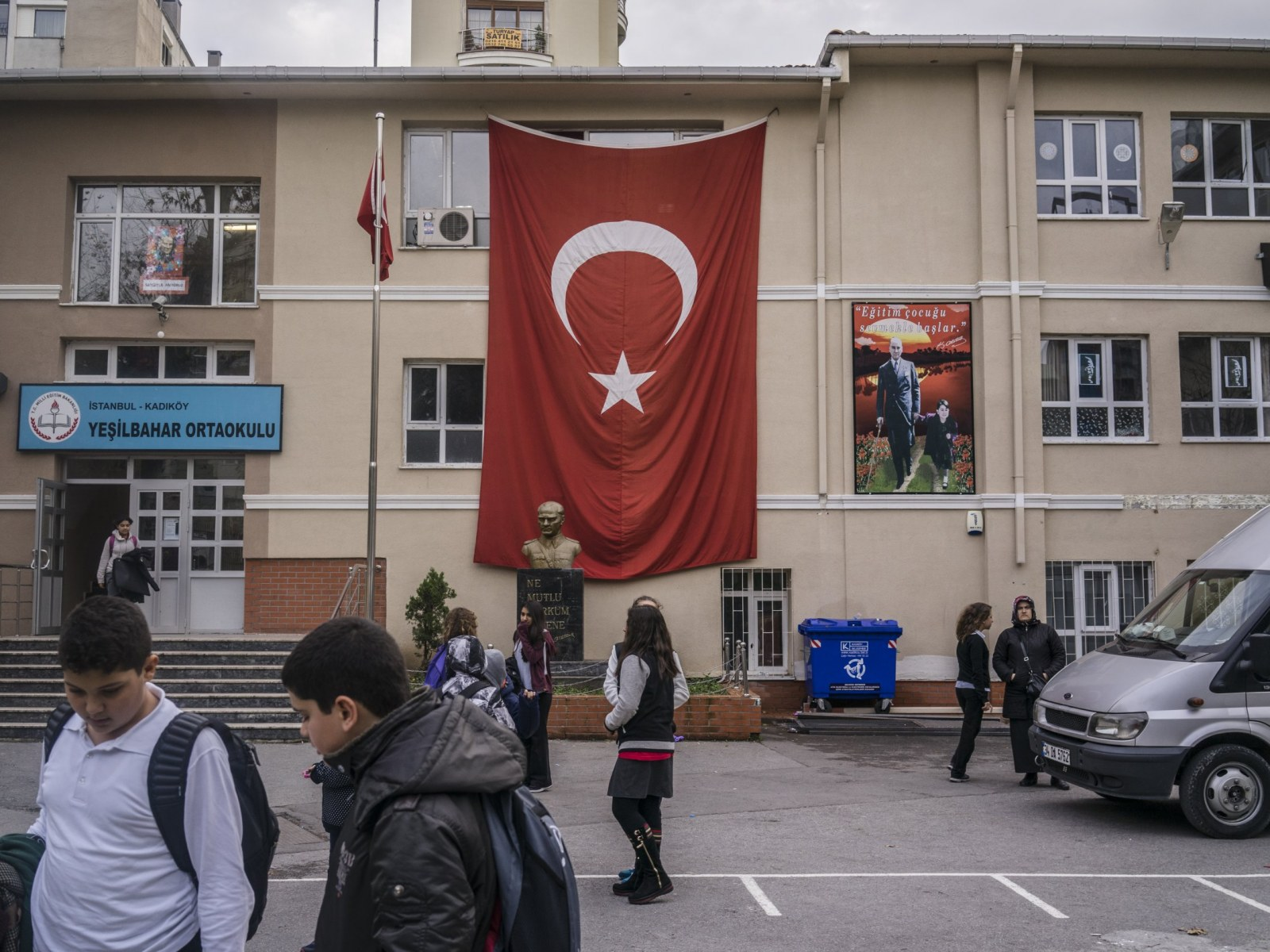Erdogan Launches Sunni Islamist Revival in Turkish Schools
