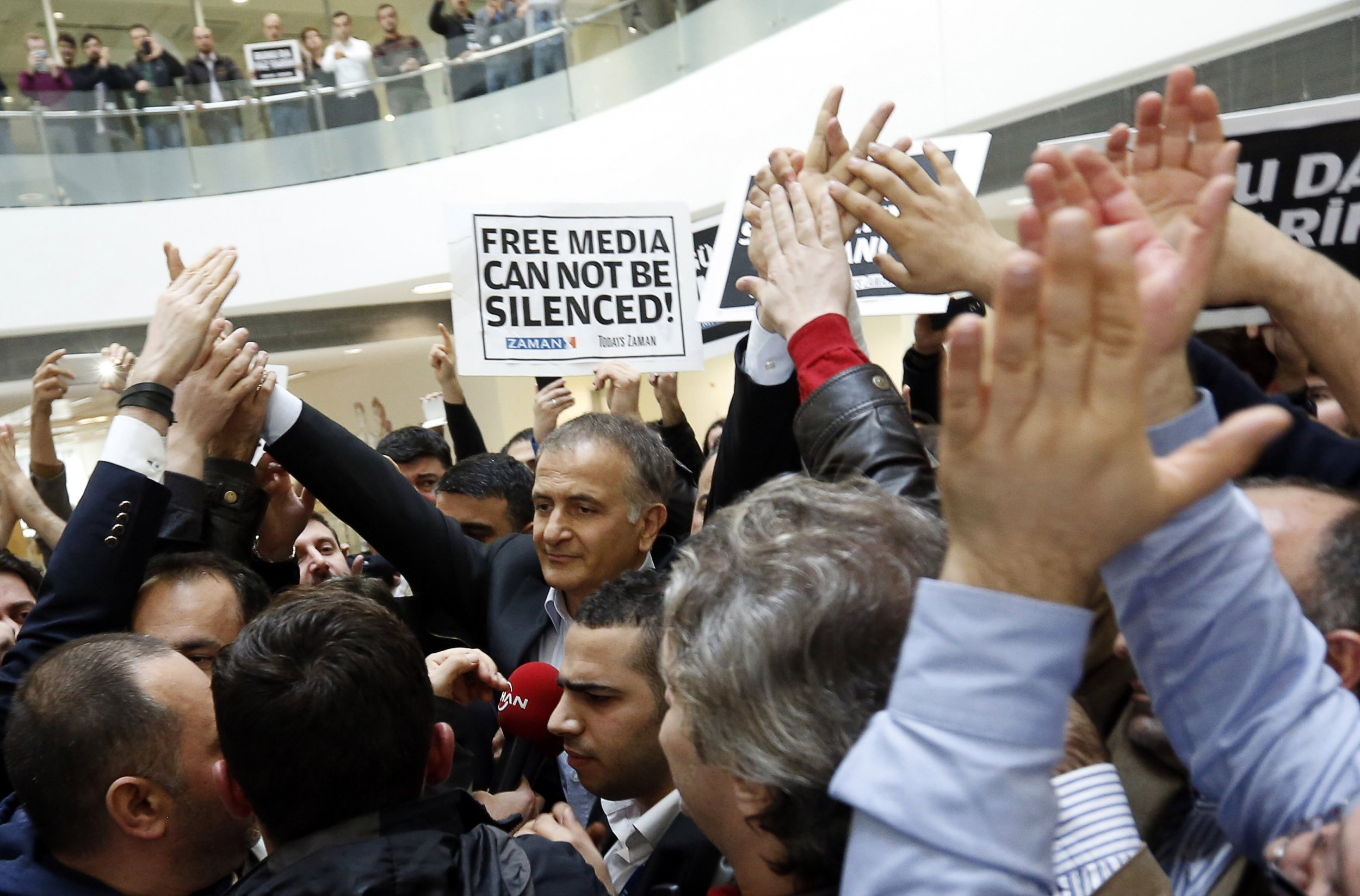 2014-12-14T141355Z_1_LYNXMPEABD0BD_RTROPTP_4_TURKEY-MEDIA