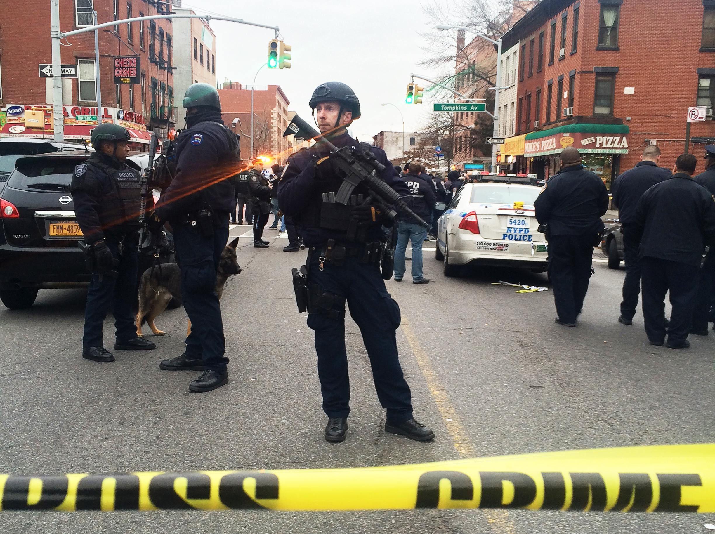2014-12-21T004733Z_2_LYNXMPEABJ09C_RTROPTP_4_USA-NEWYORK-POLICE