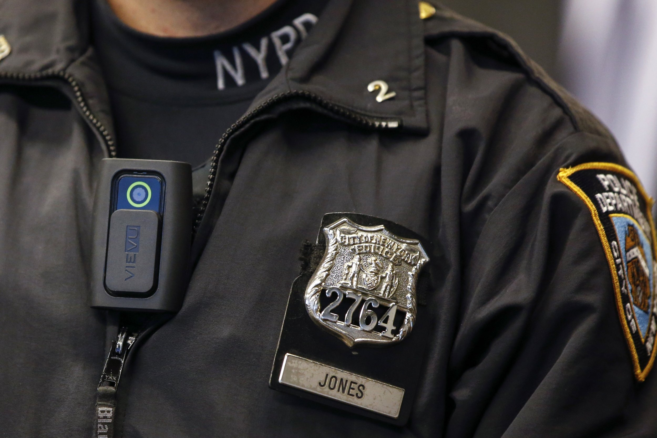 study finds body cameras decrease police s use of force