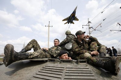 2014-12-27T144555Z_2_LYNXMPEABQ052_RTROPTP_4_UKRAINE-CRISIS