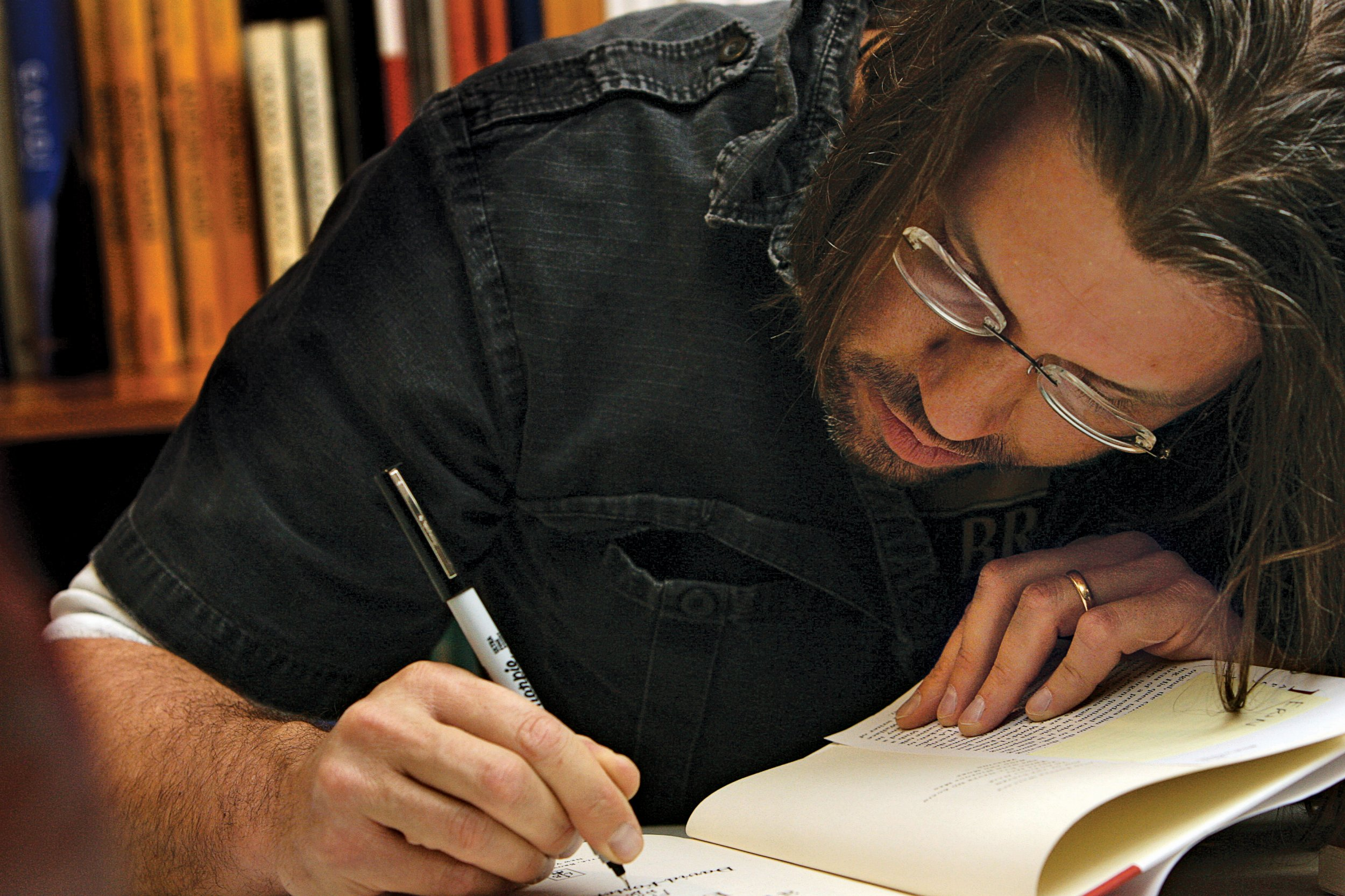 wallace essayist David foster wallace is one of my personal heroes maybe you've never heard of him wallace (or dfw) was a novelist, essayist, short story writer, and.