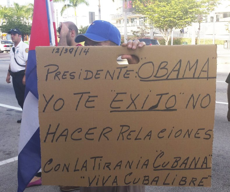2014-12-31T010718Z_988434937_TM3EACU1JE301_RTRMADP_3_CUBA-USA-DISSIDENTS