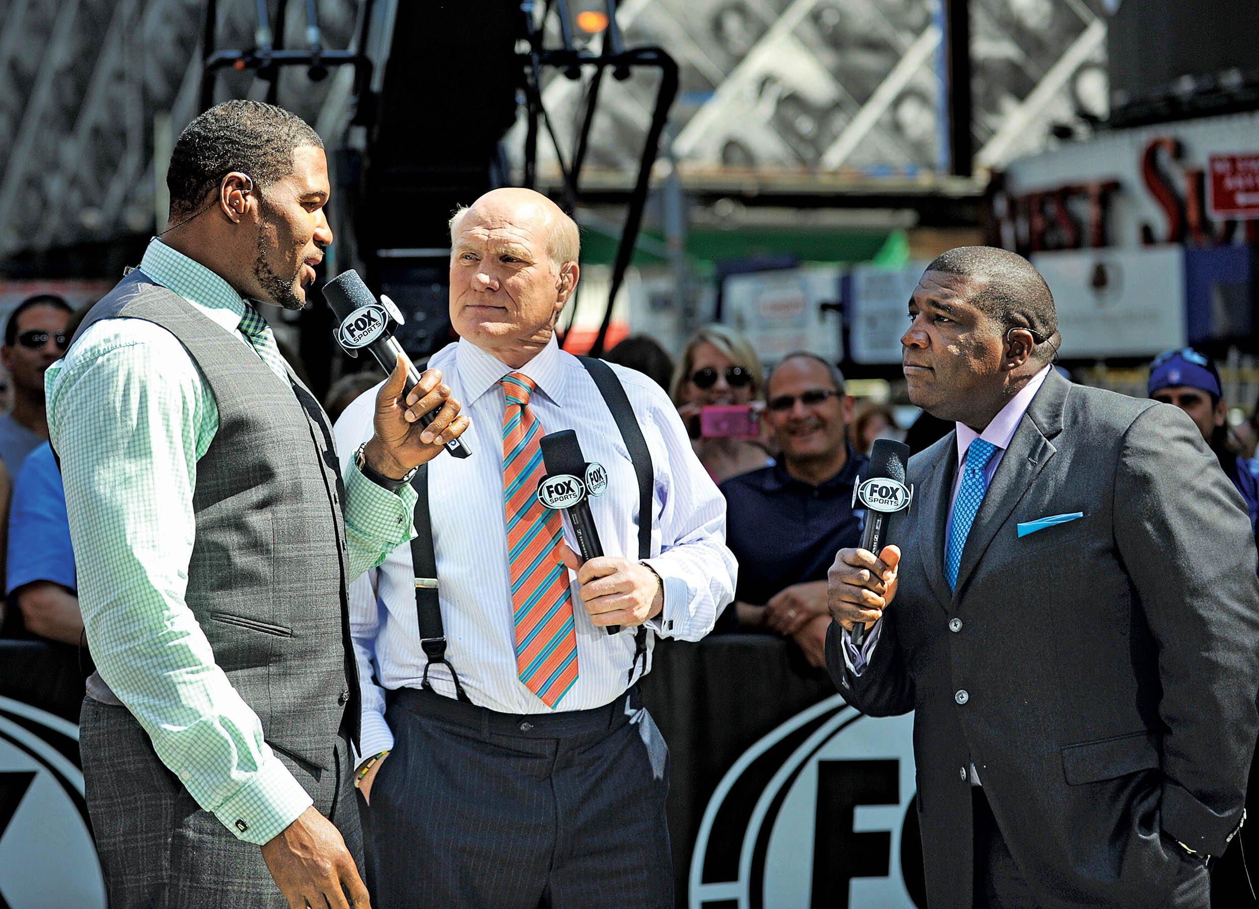 01 16 FoxNFLSunday 02 FOX NFL Sunday analysts Michael Strahan 4548ef3c0