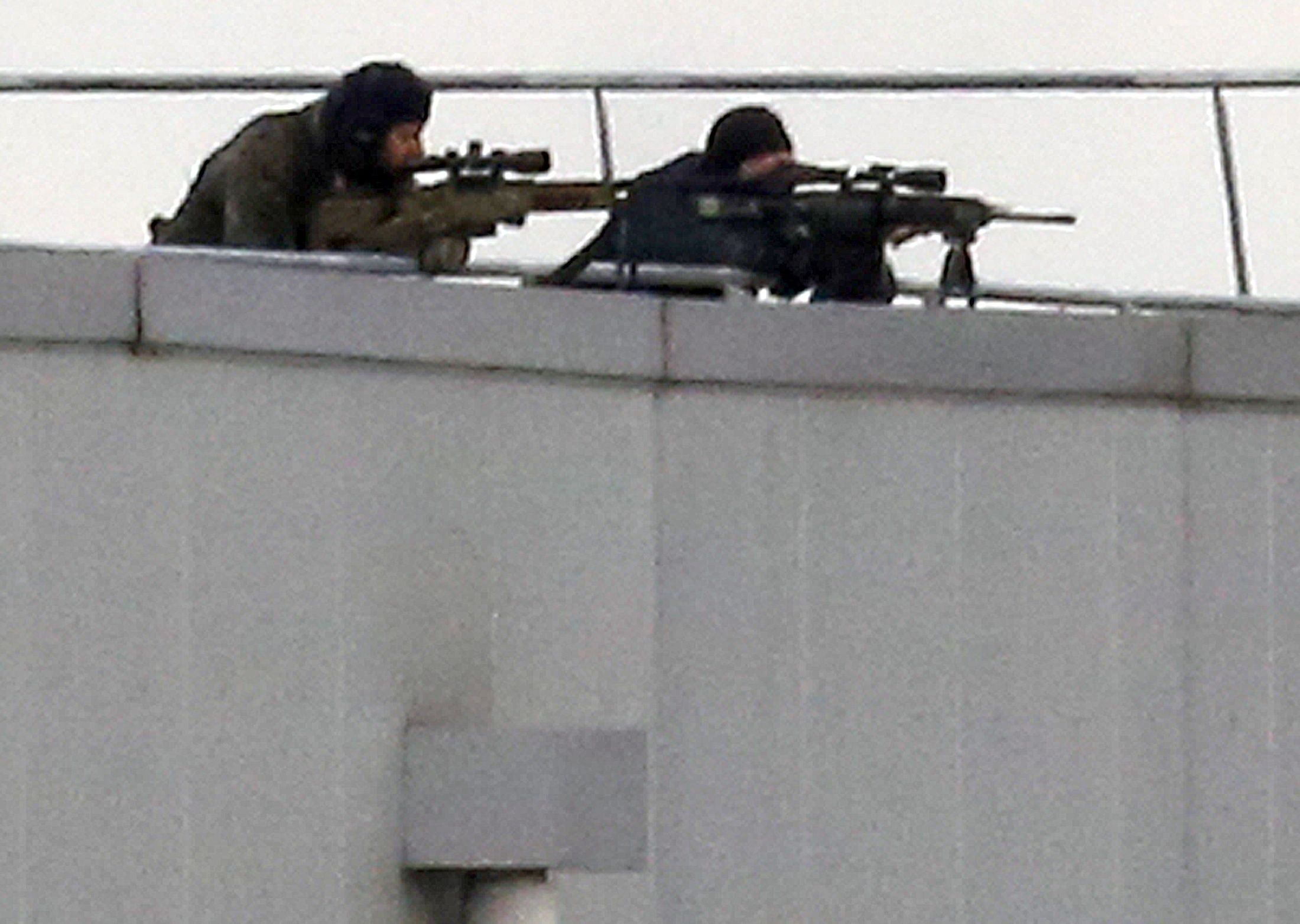 2015-01-09T162749Z_1_LYNXMPEB080PL_RTROPTP_4_FRANCE-SHOOTING-HOSTAGE