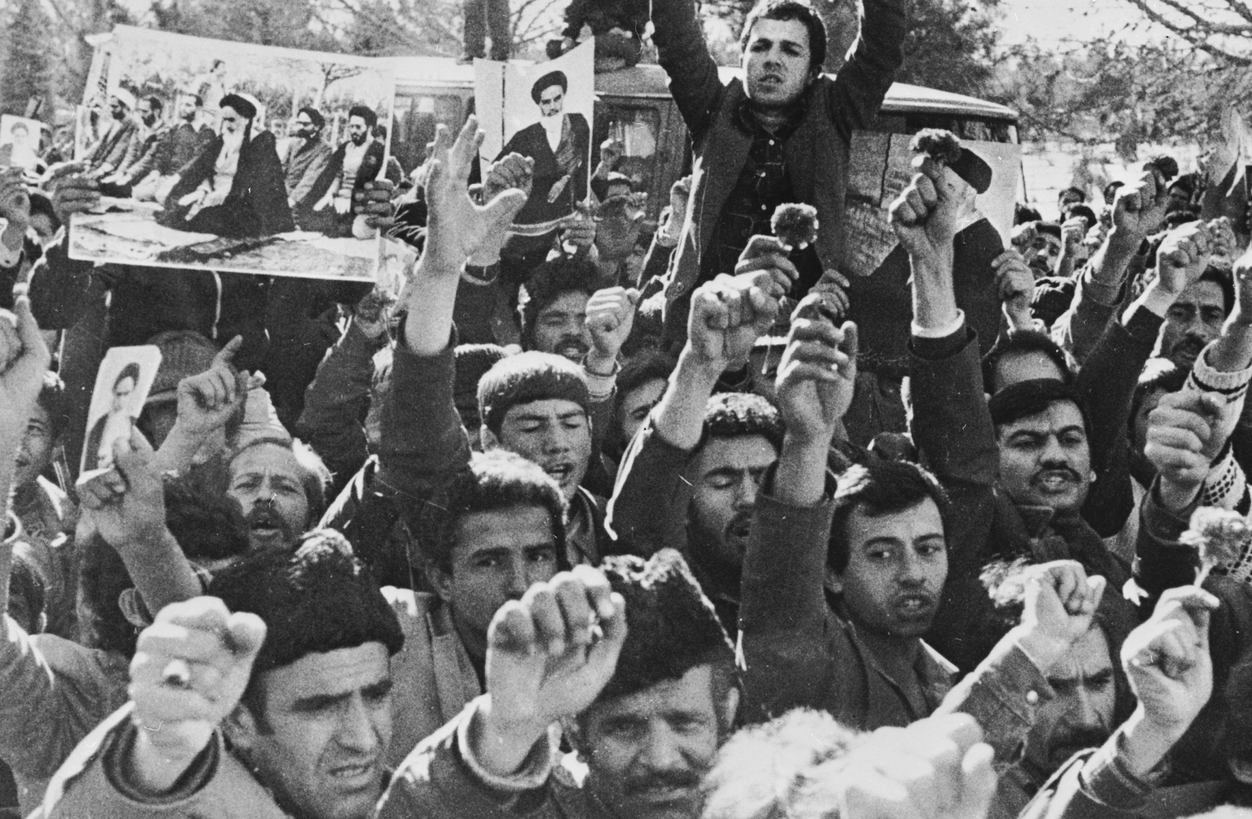 a history of the iranian revolution in 1979 The iranian revolution was the revolution that happened in iran in 1979 and ended the monarchy and led to foundation of islamic republic of iran.