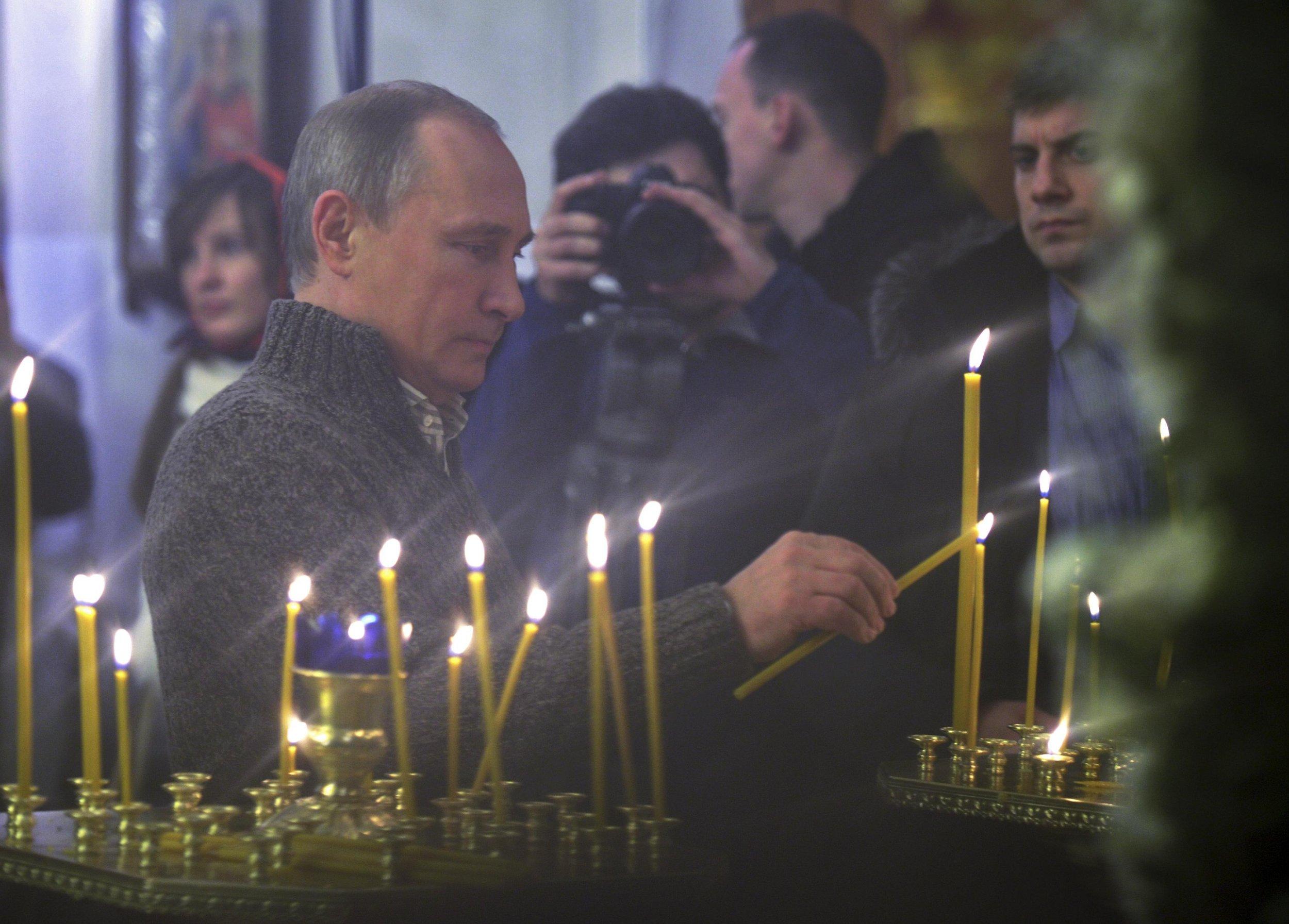2015-01-06T223029Z_1982396827_GM1EB170HYL01_RTRMADP_3_RUSSIA-RELIGION
