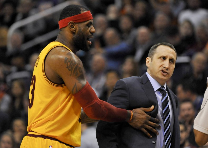 2015-01-14T055436Z_1465338796_NOCID_RTRMADP_3_NBA-CLEVELAND-CAVALIERS-AT-PHOENIX-SUNS