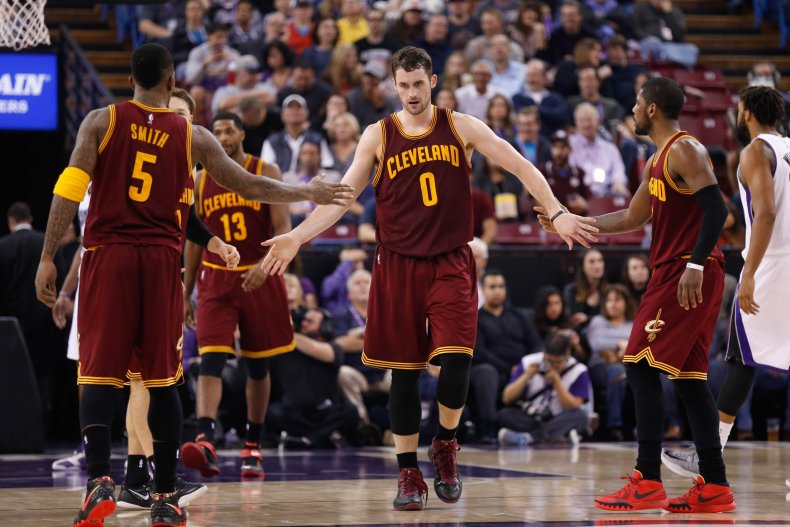 2015-01-12T043746Z_702315659_NOCID_RTRMADP_3_NBA-CLEVELAND-CAVALIERS-AT-SACRAMENTO-KINGS