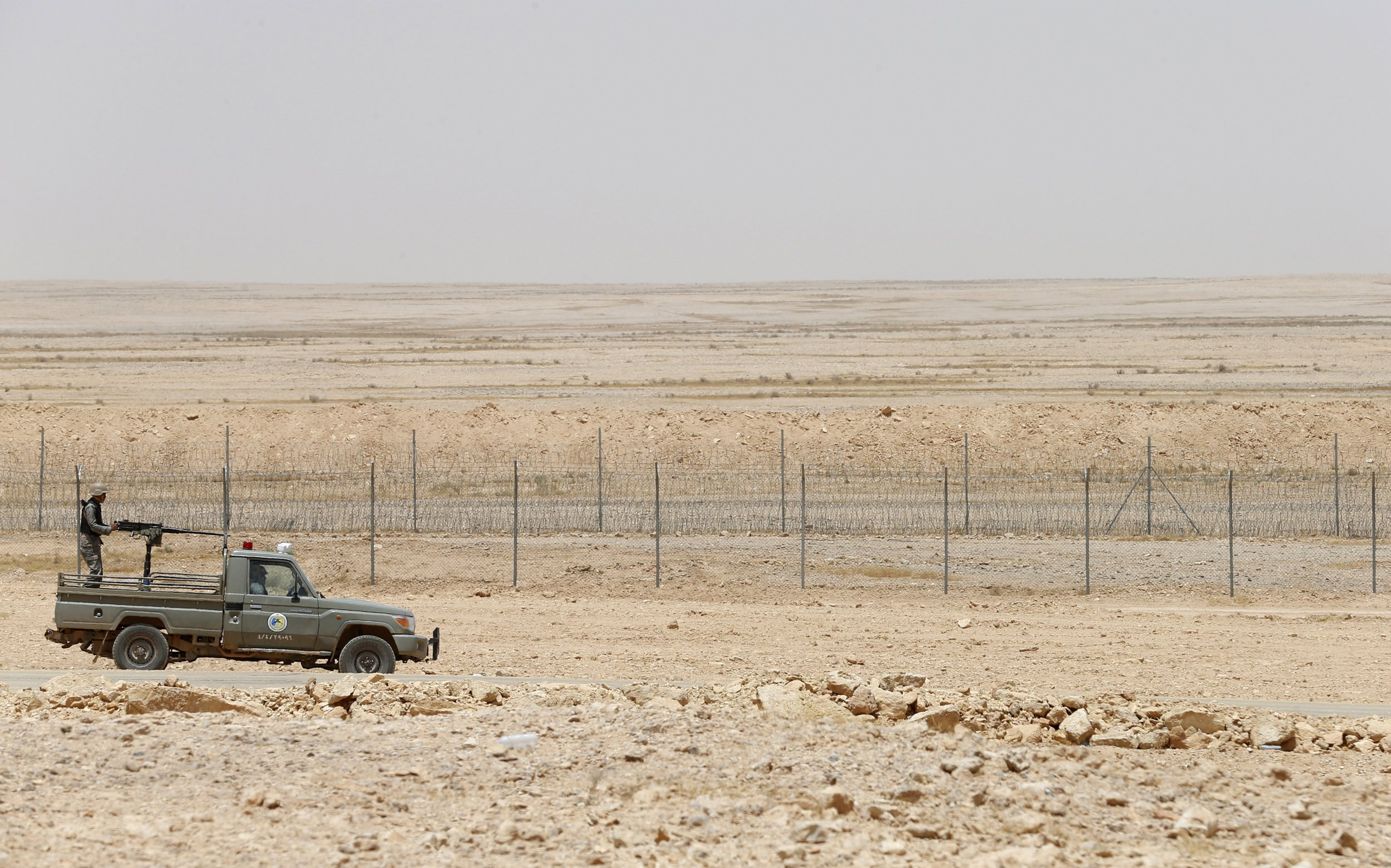 ISIS 'Attack Saudi Border Post and Infiltrate Town'