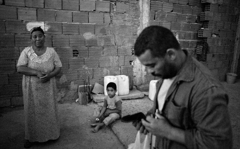 08_tunisia_women_laborers