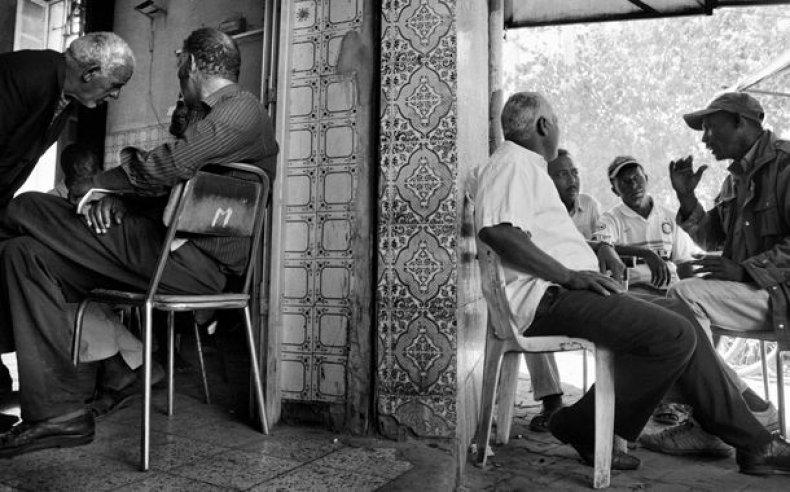 14_tunisia_women_laborers