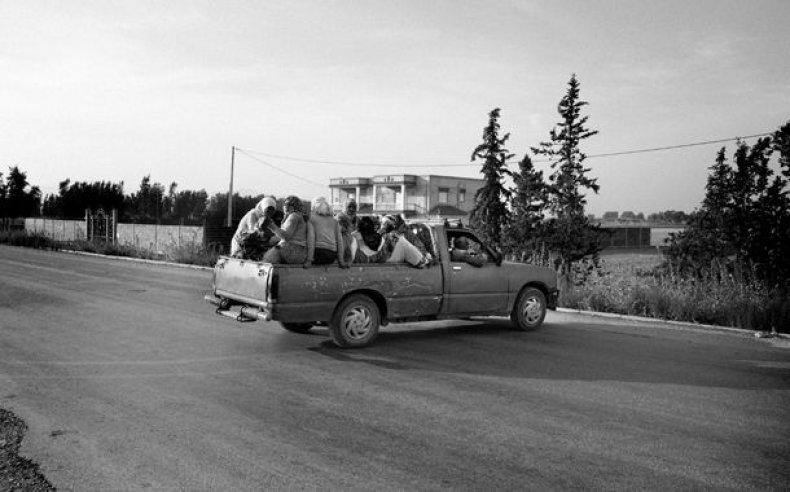 16_tunisia_women_laborers