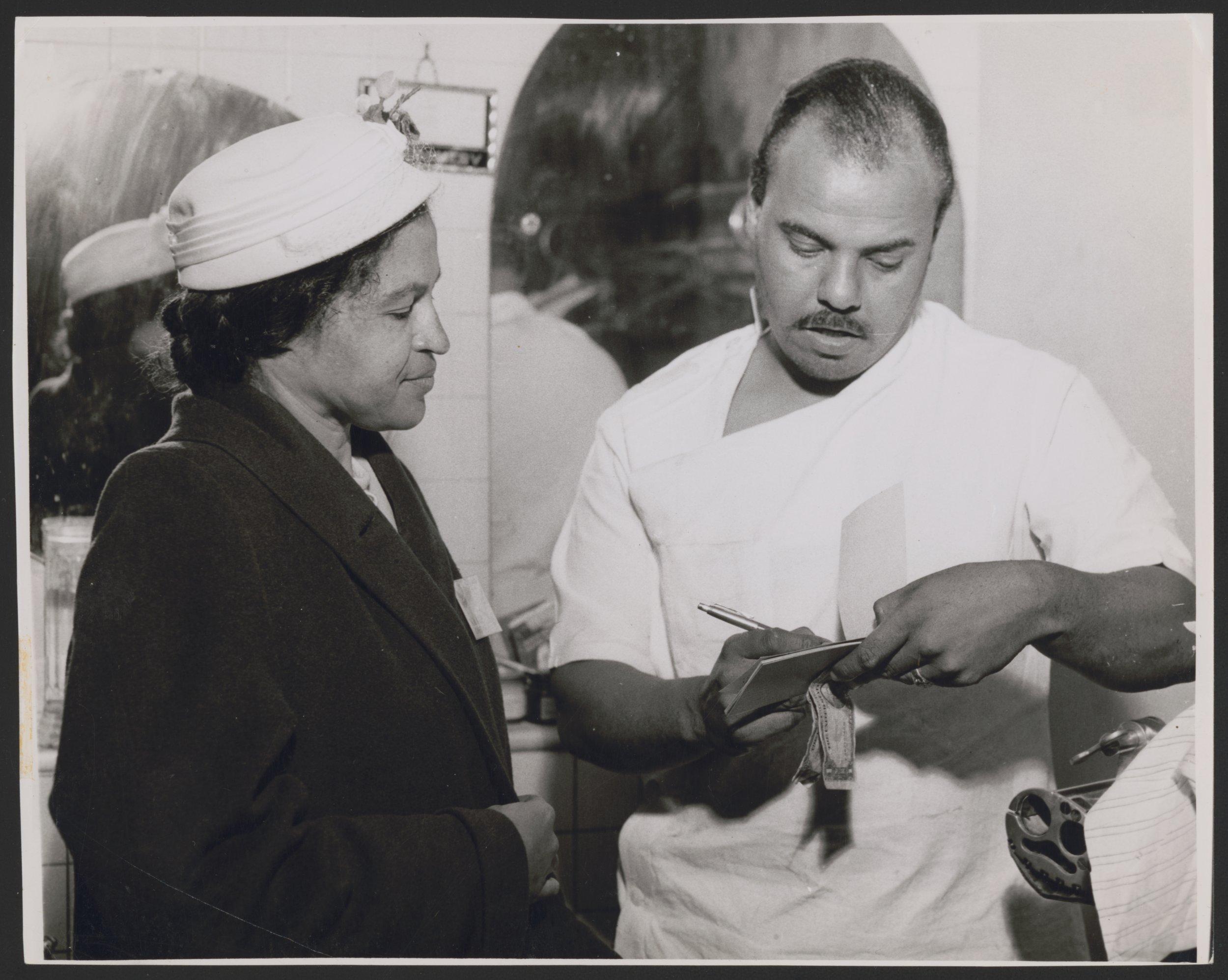 2-7-15 Rosa Parks 38700u