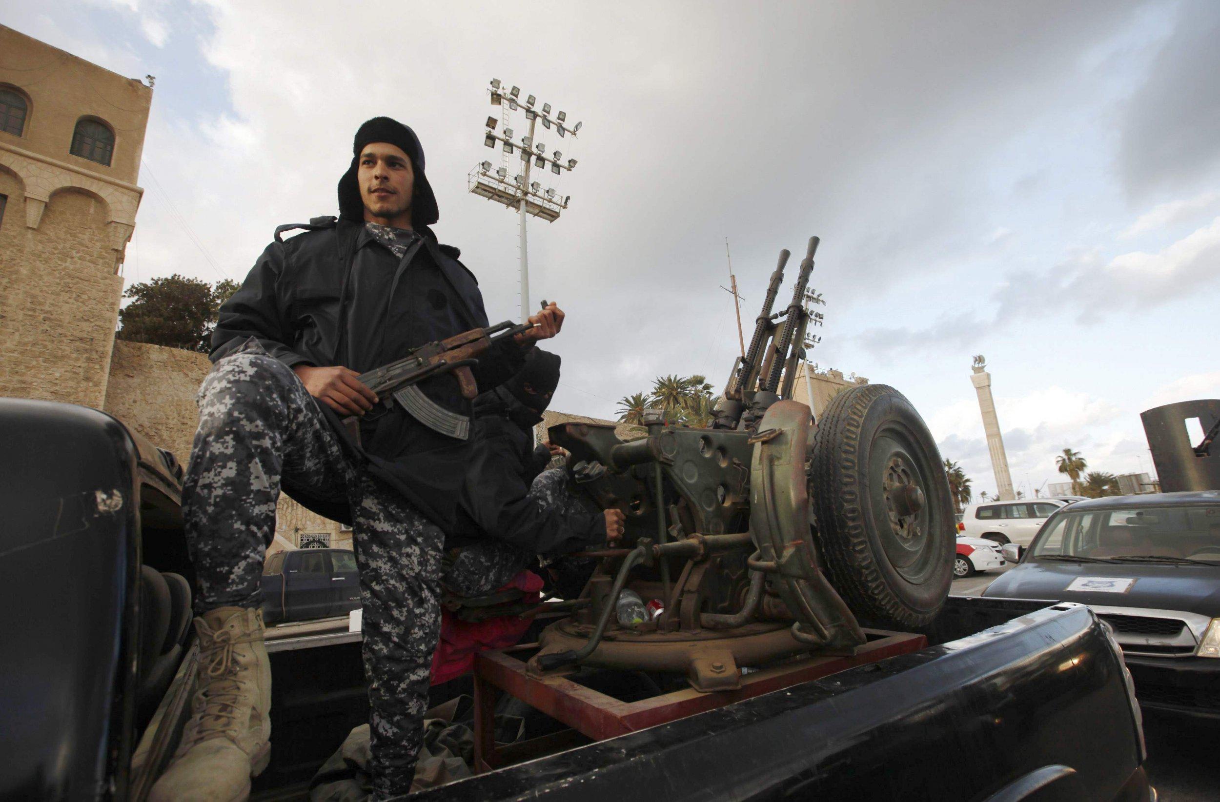2015-02-09T195113Z_126590152_GM1EB2A0AMM01_RTRMADP_3_LIBYA-SECURITY