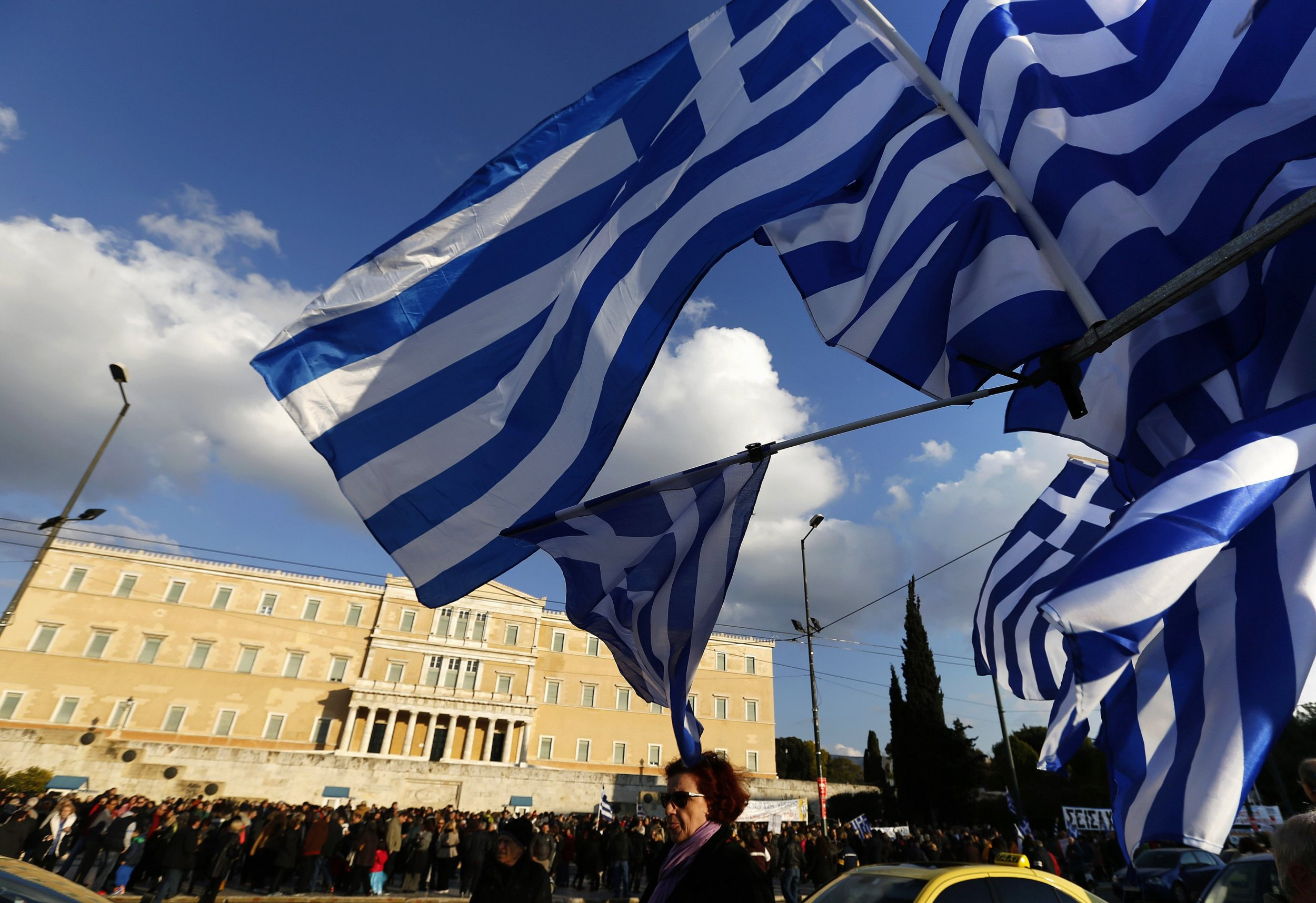 2015-02-15T175608Z_557636177_GM1EB2G05AV01_RTRMADP_3_EUROZONE-GREECE-PROTEST