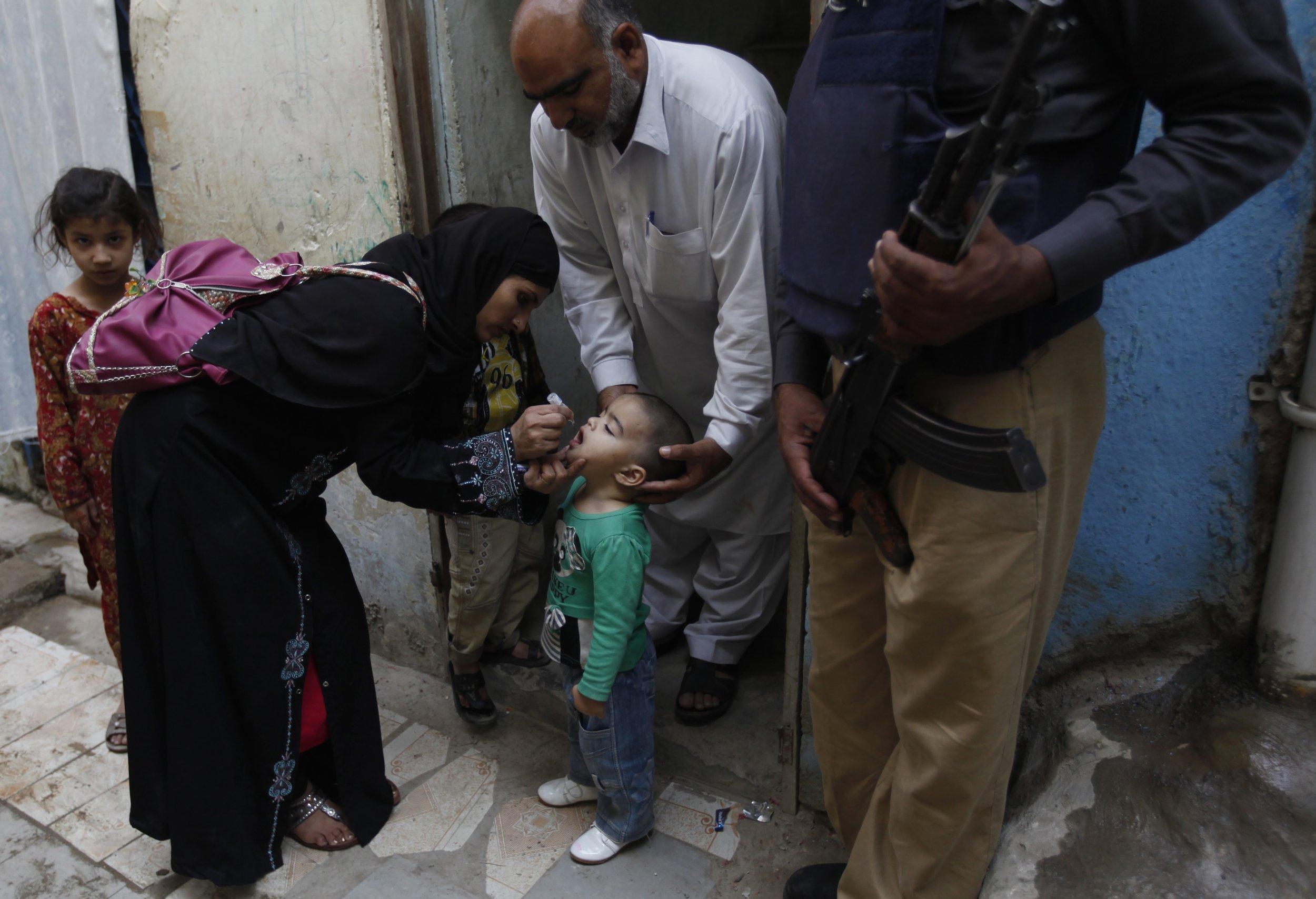 3-2-15 Pakistan polio vaccine