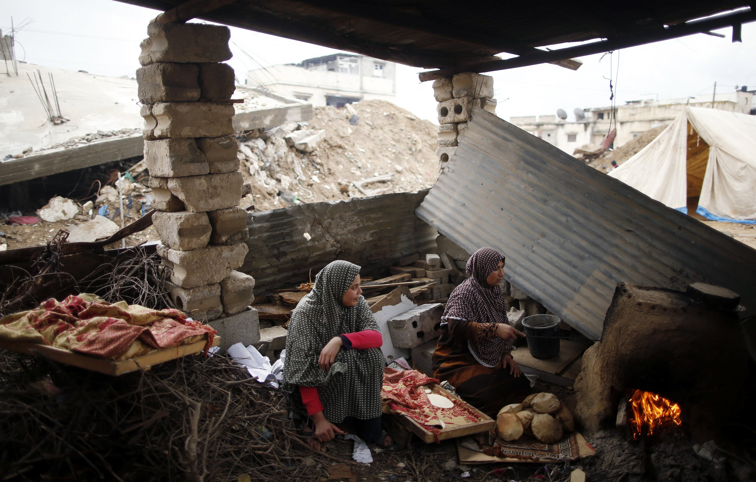 2015-02-26T150210Z_1_LYNXMPEB1P0MK_RTROPTP_4_PALESTINIANS-GAZA-HOMES