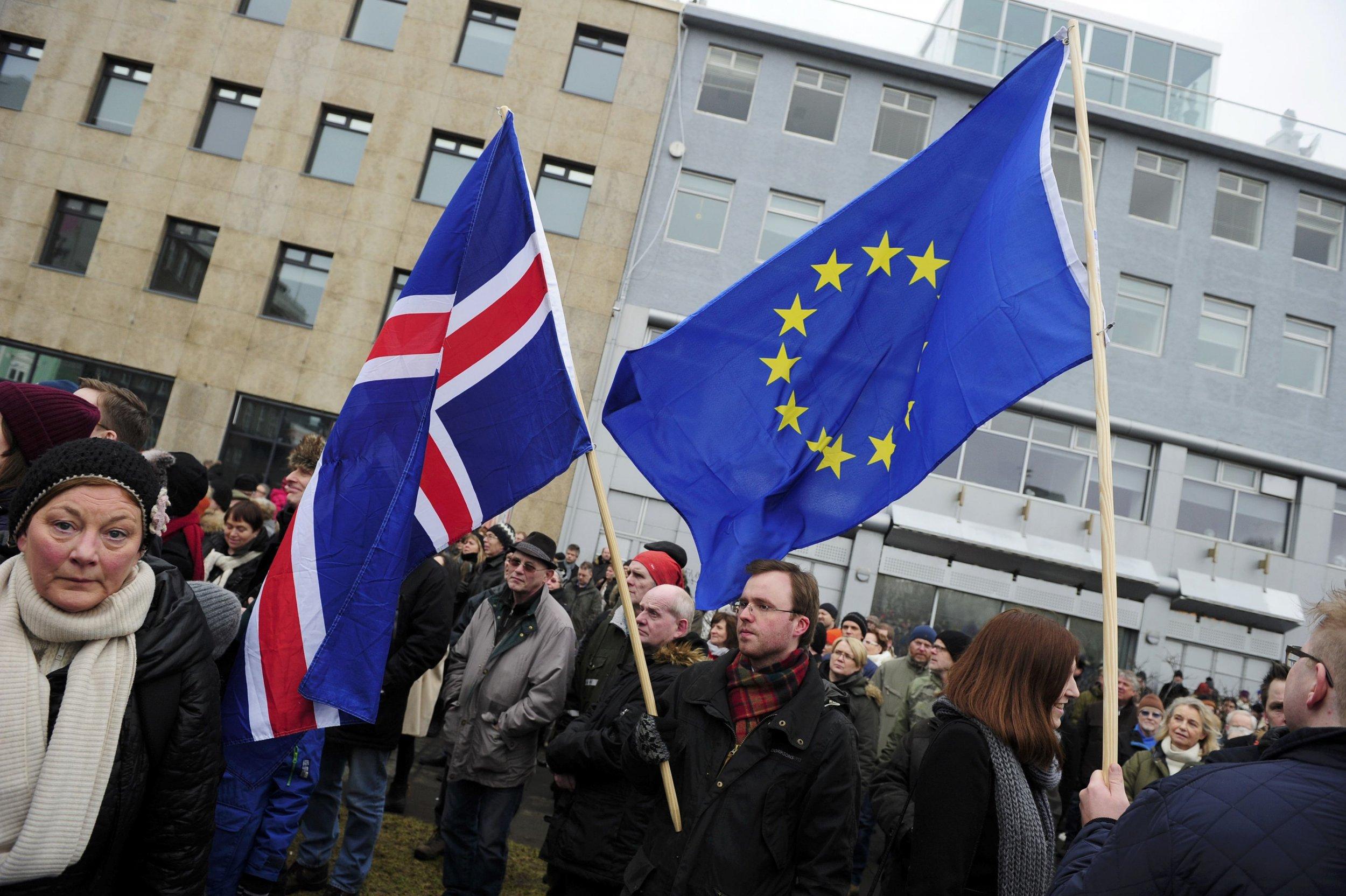 2015-03-15T150140Z_133758857_LR2EB3F15QHQT_RTRMADP_3_ICELAND-EU-PROTEST