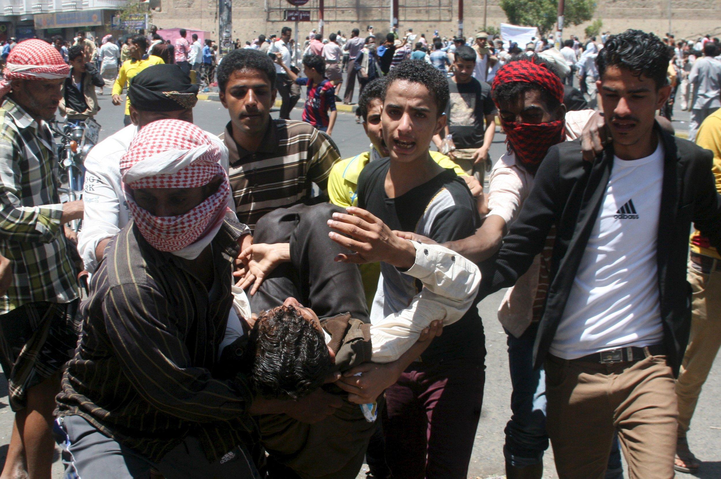 Houthis Take Over Yemen City of Taiz