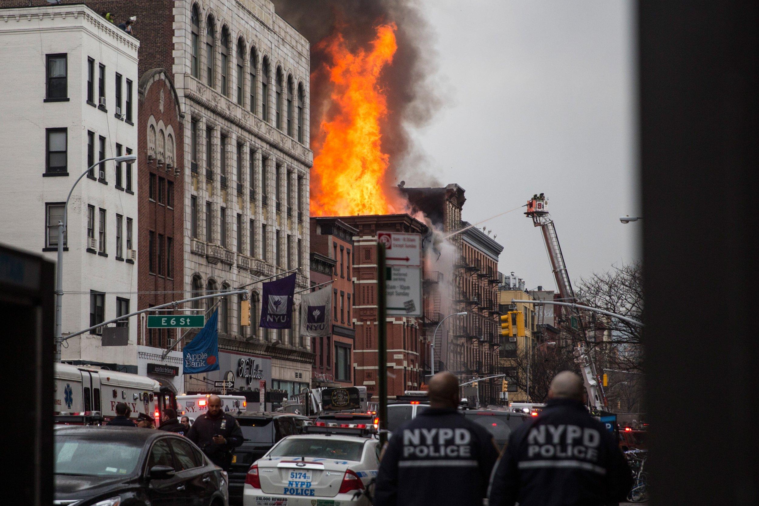 03_26_NYC_Fire_02
