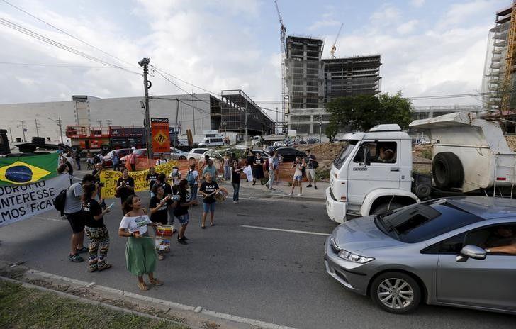 2015-04-01T184444Z_2_LYNXMPEB30263_RTROPTP_3_BRAZIL-OLYMPICS-PROTEST