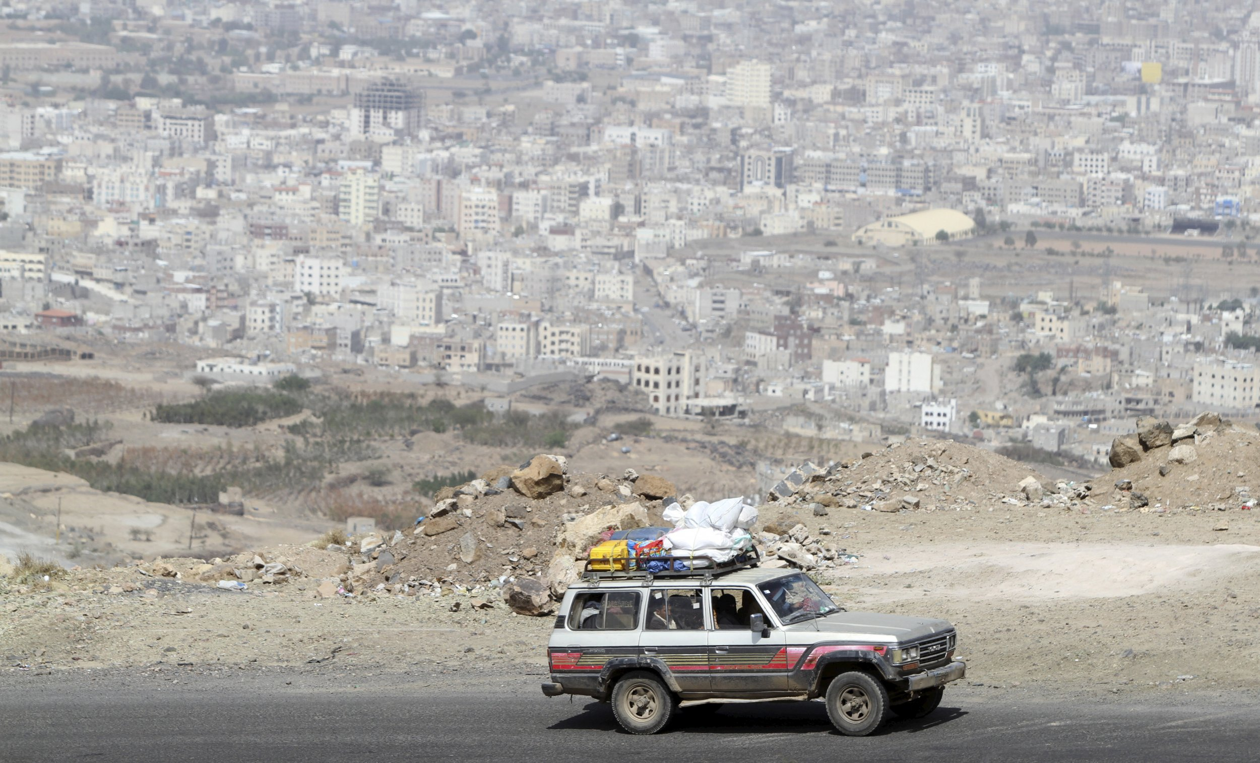 Residents flee Sanaa