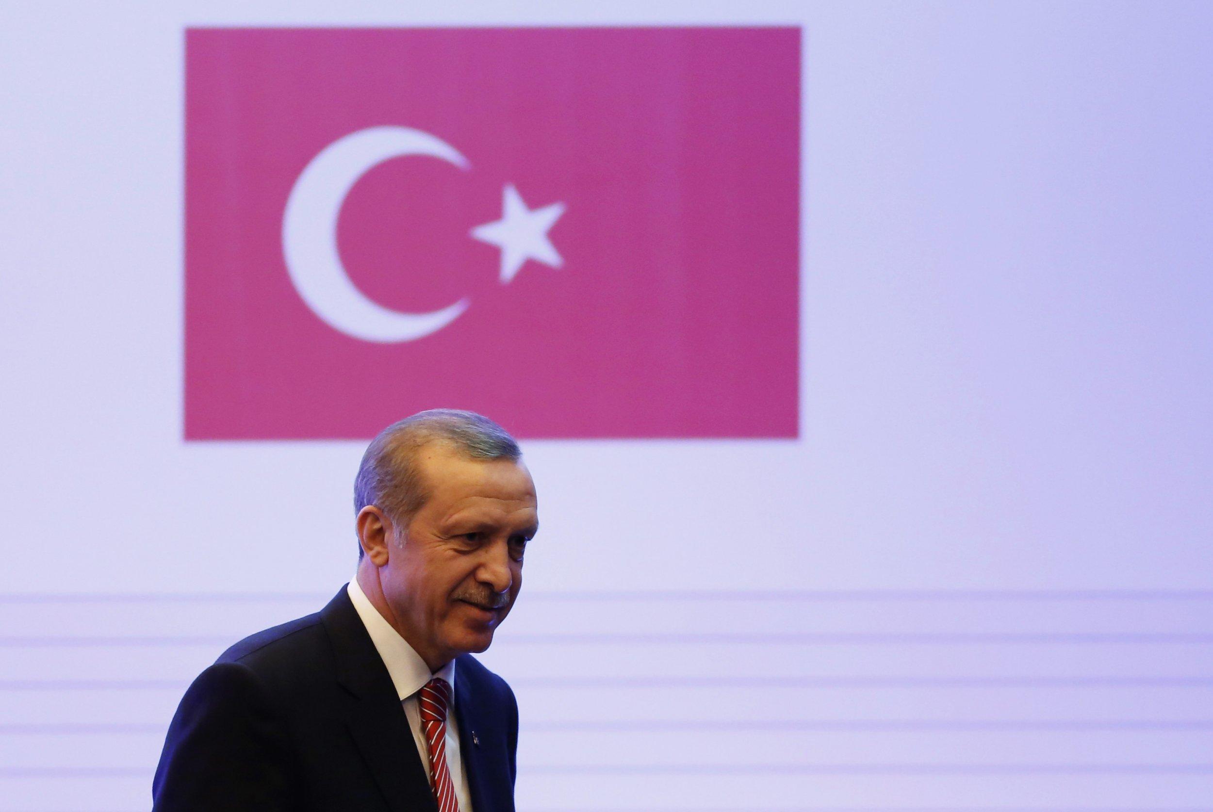 Turkey Blocks Twitter
