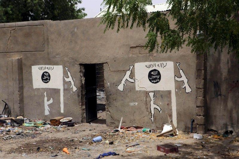 2015-03-26T164347Z_1_LYNXMPEB2P0ZU_RTROPTP_3_VIOLENCE-NIGERIA