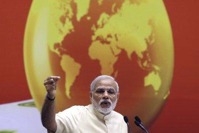 2015-04-06T104150Z_1_LYNXMPEB3506F_RTROPTP_4_INDIA-OIL-IMPORTS
