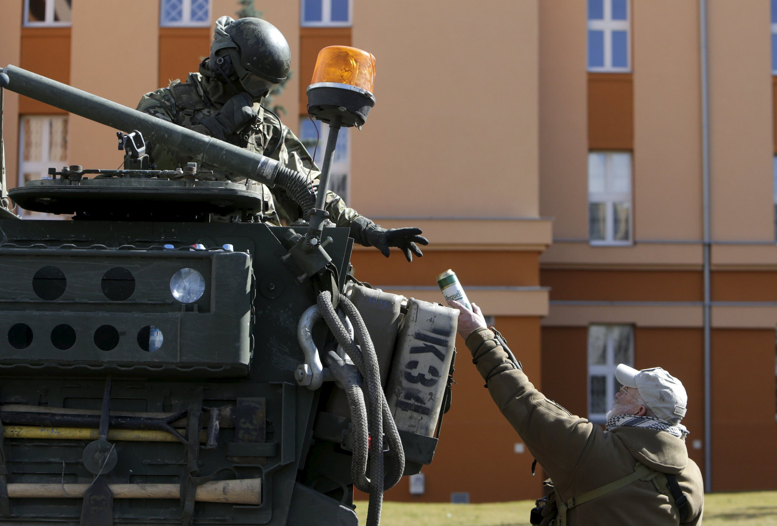2015-03-30T135454Z_1183621897_GF10000043901_RTRMADP_3_UKRAINE-CRISIS-NATO-TRAINING