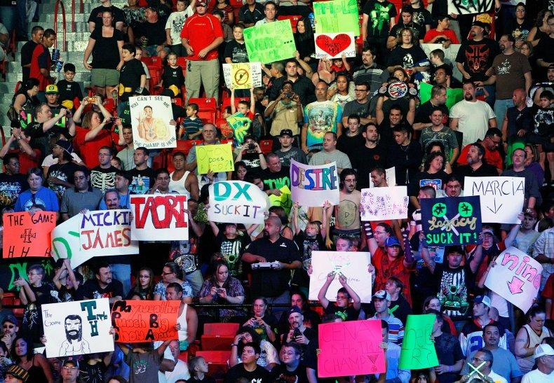 04_10_WWE_02