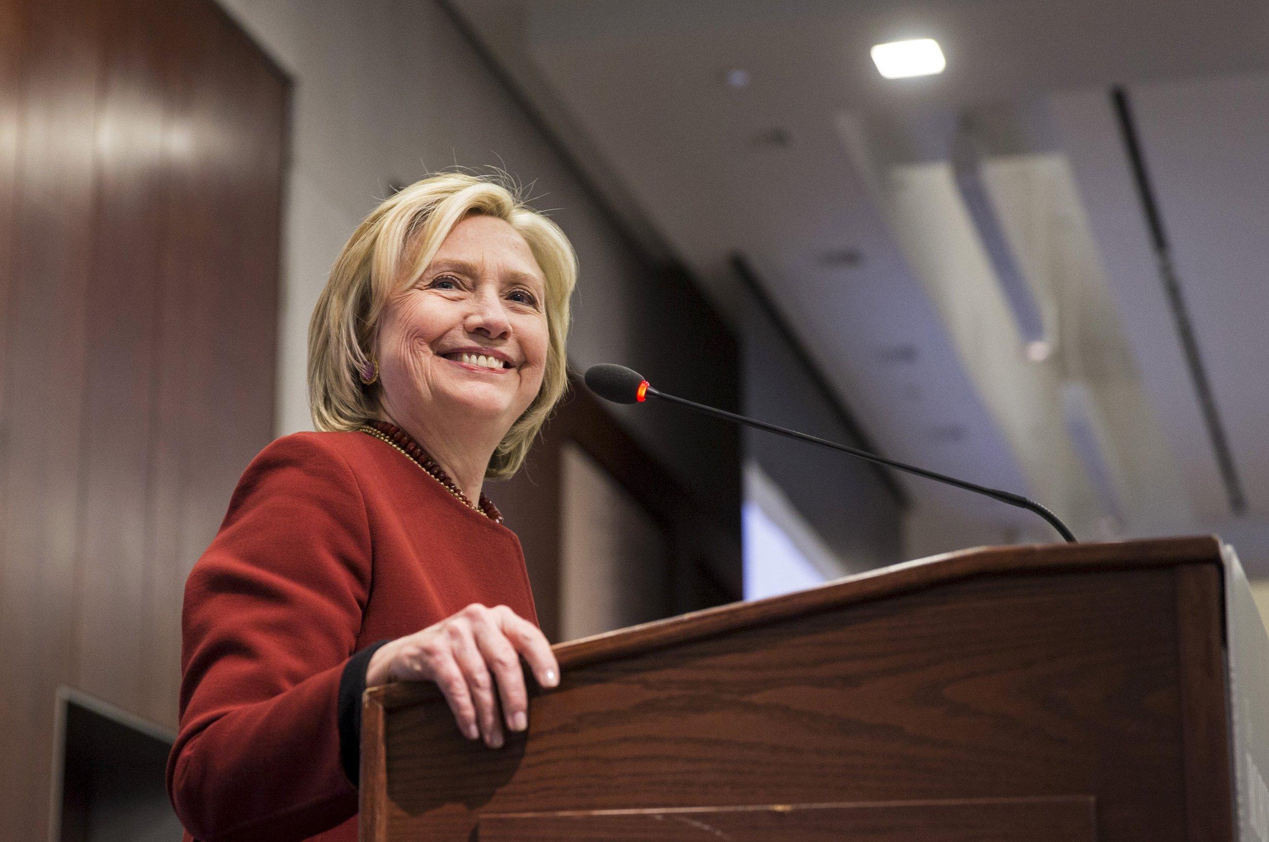 Hillary2_0412