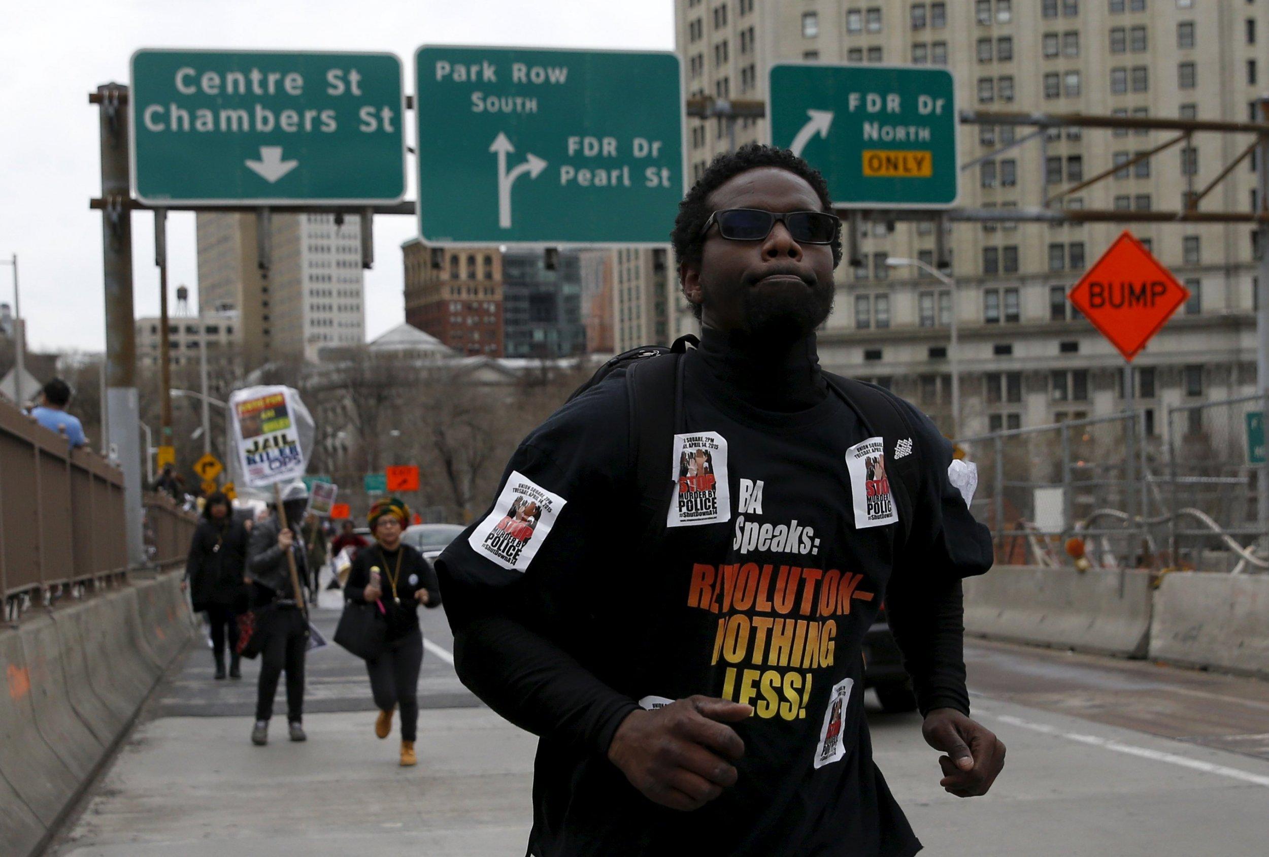2015-04-14T213030Z_1_LYNXMPEB3D11V_RTROPTP_4_USA-POLICE-PROTESTS