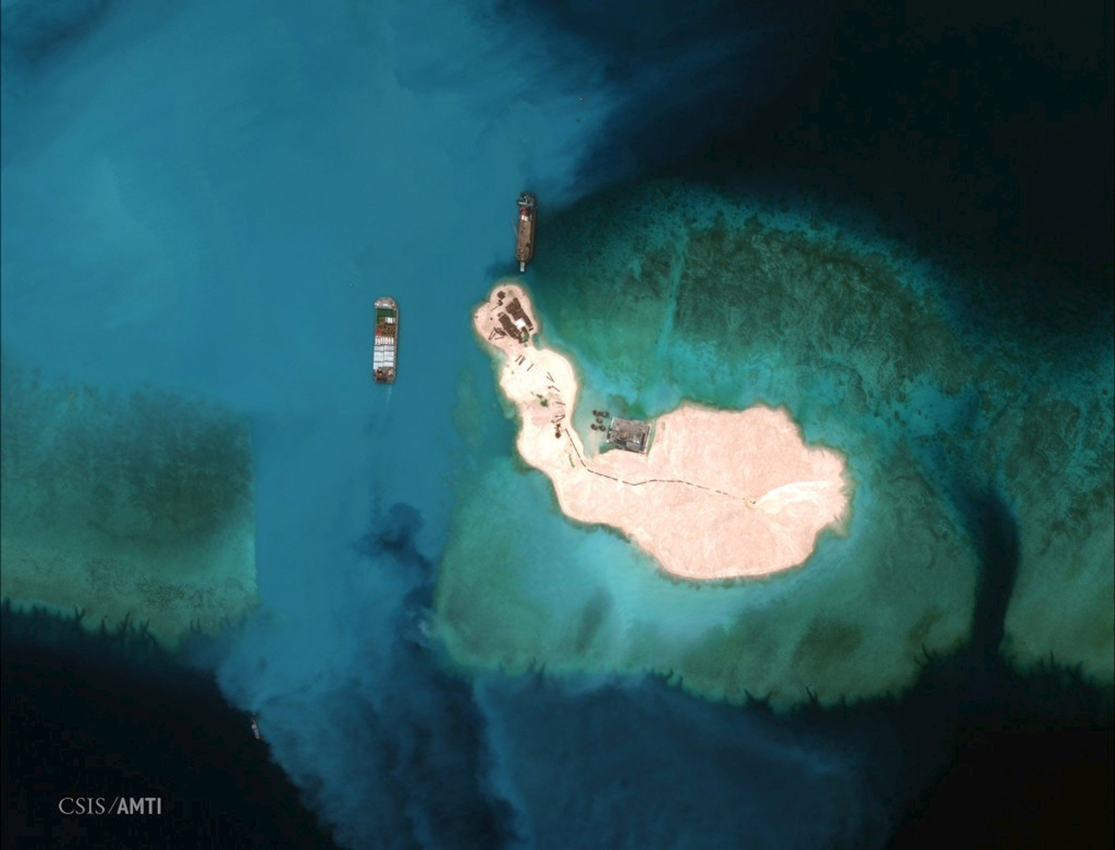 2015-04-10T084843Z_2_LYNXMPEB380XB_RTROPTP_4_CHINA-SOUTHCHINASEA-REEF