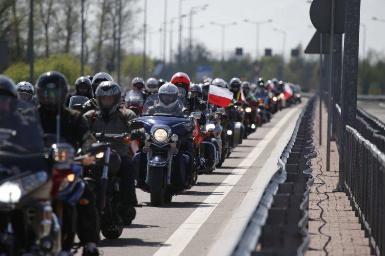 2015-04-27T131711Z_1741802351_LR2EB4R10WCRP_RTRMADP_3_POLAND-RUSSIA-BIKERS