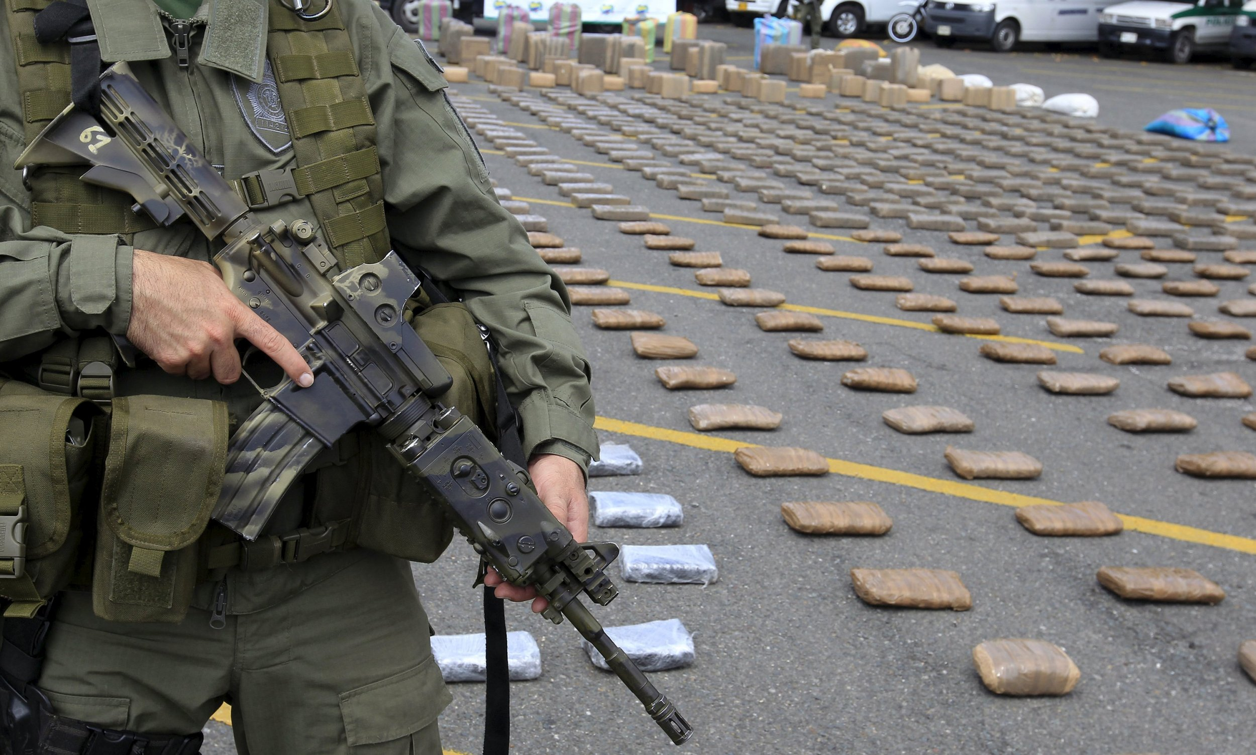 drug trafficking colombia Drug trafficking and organized crime in the americas:  as a direct result, levels of drug-fueled violence in colombia spiraled out of control in the late 1990s.