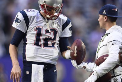 How Tom Brady's Deflate-Gate Conspiracy Blew Up: Soft Balls and Damning Texts