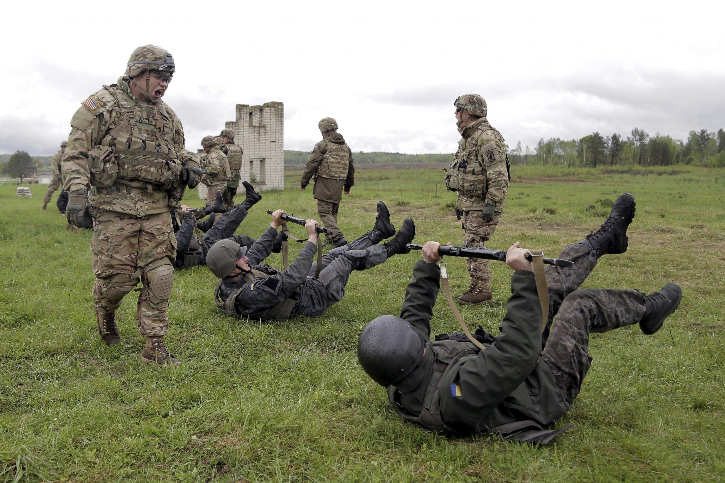 U.S. Troops Prepare Uk...