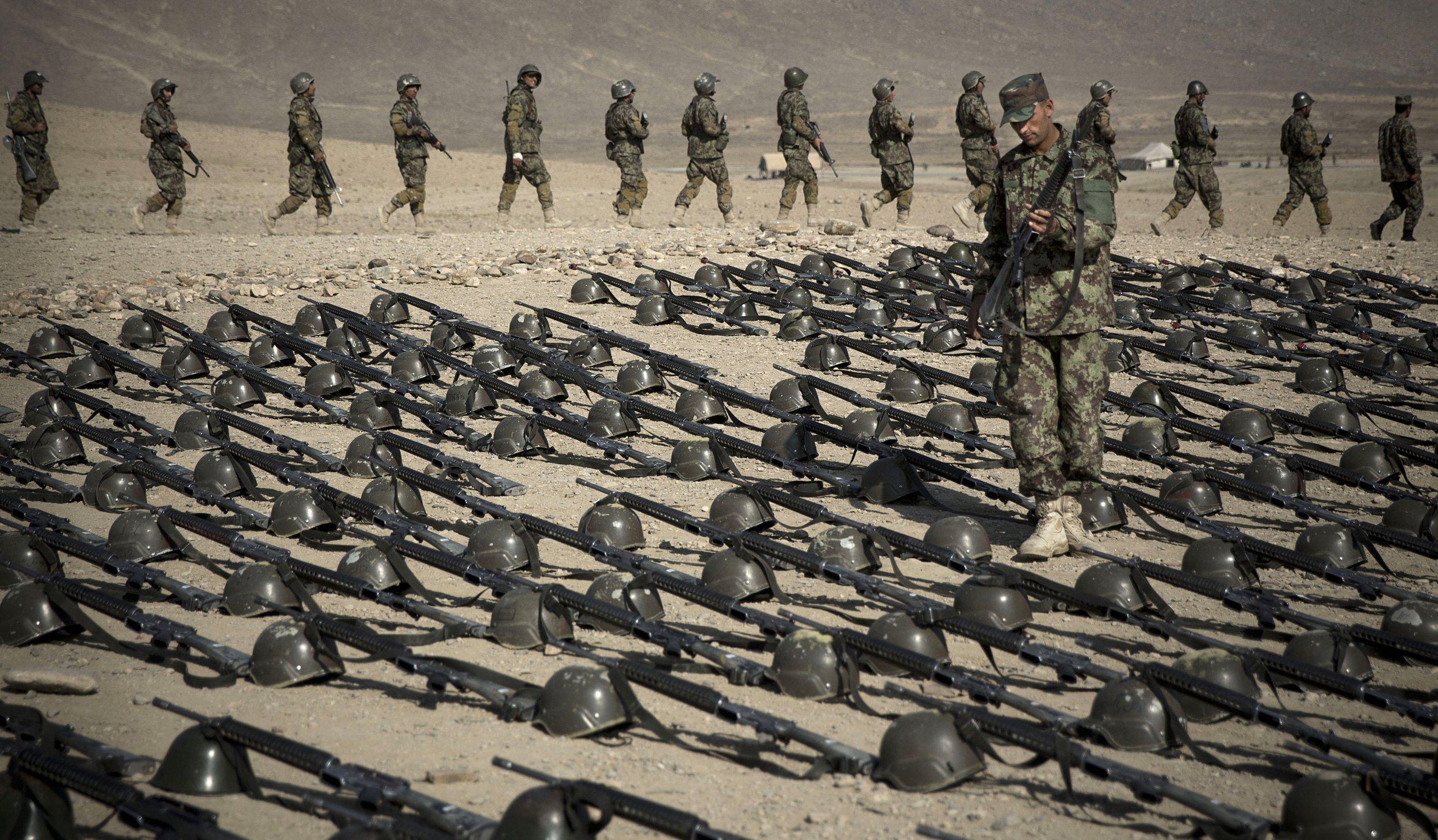 05_22_AfghanWeapons_01