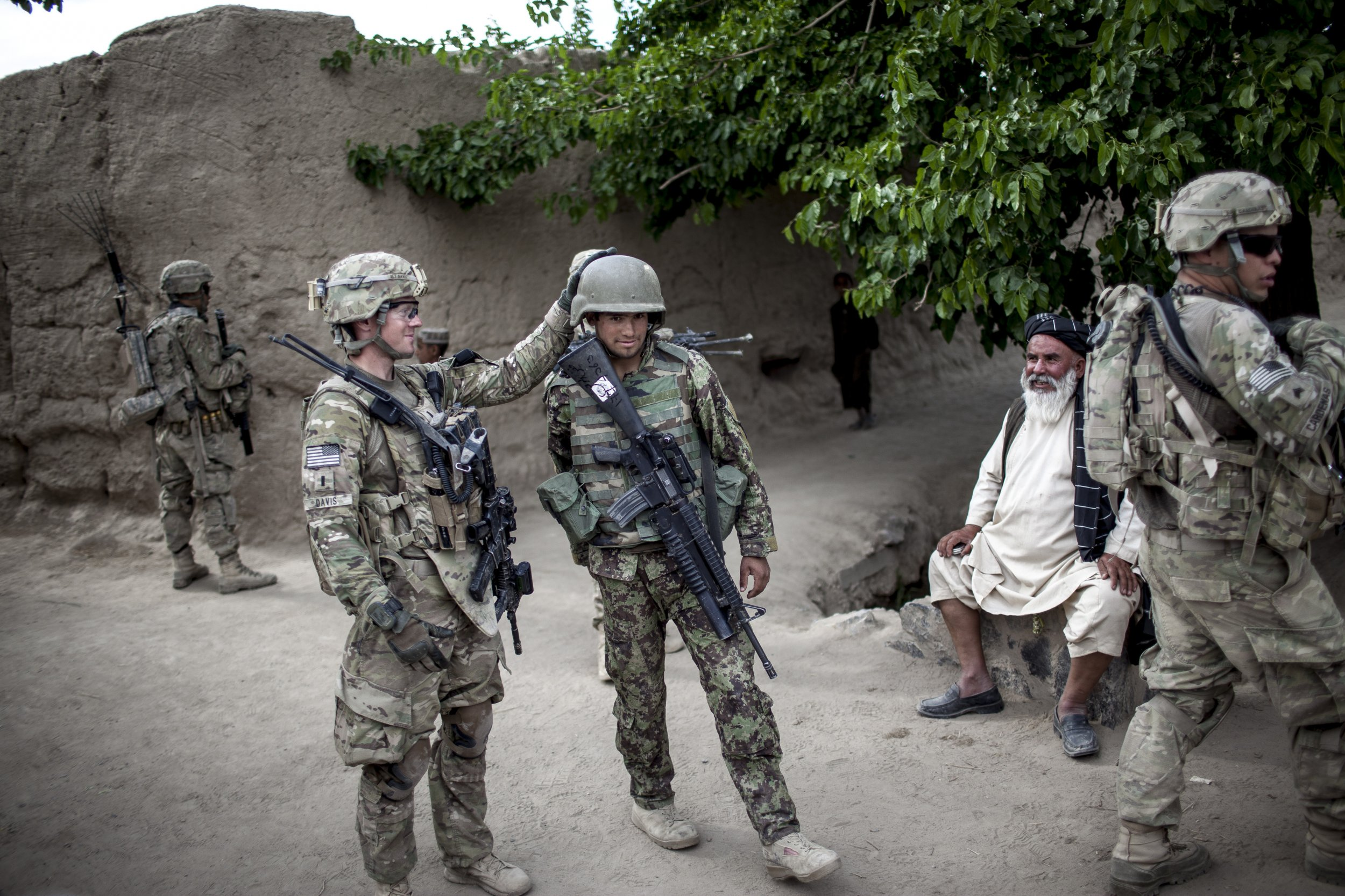 05_22_AfghanWeapons_02