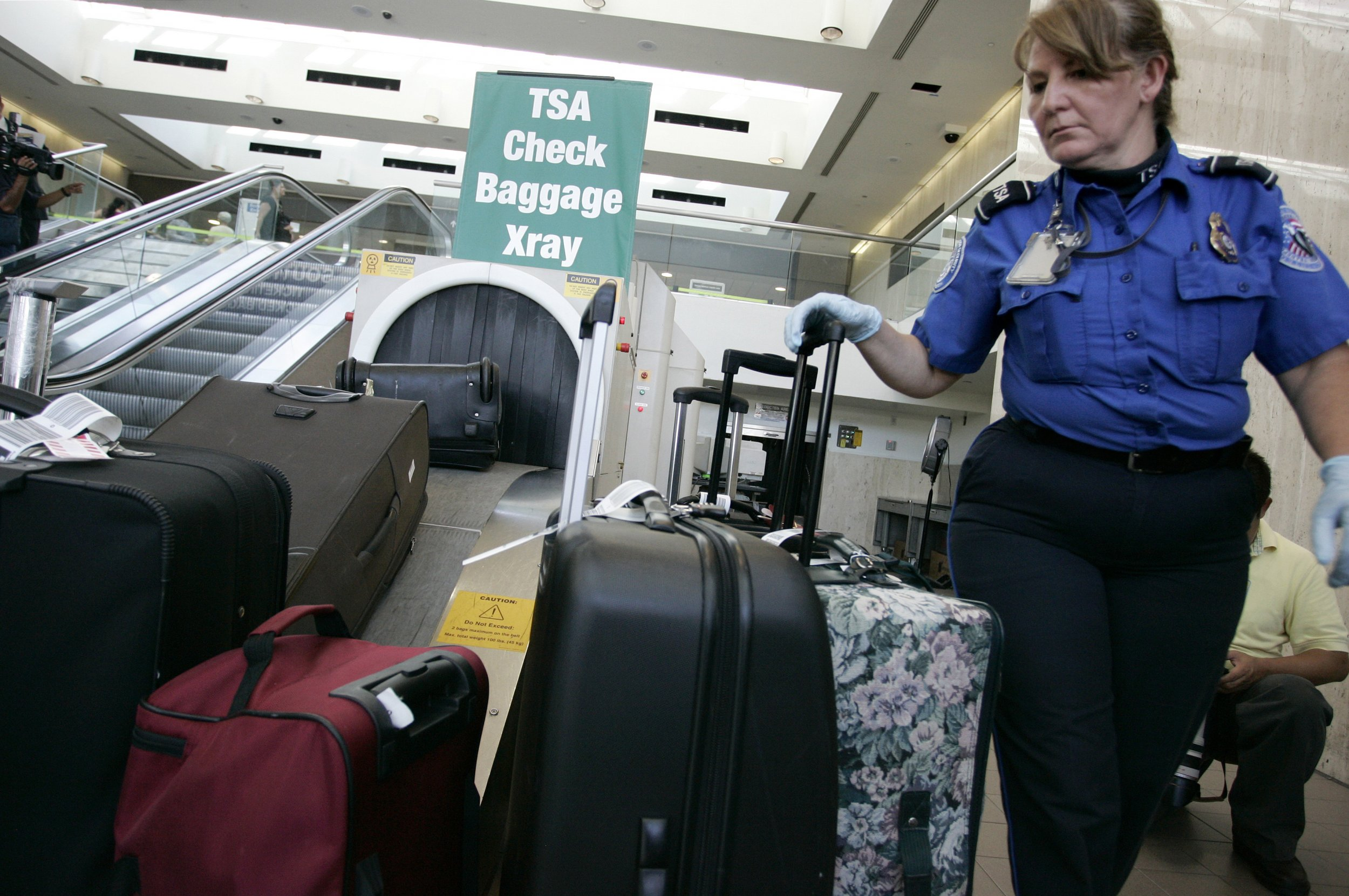 Airport Security Fails To Detect 95 Of Fake Explosives
