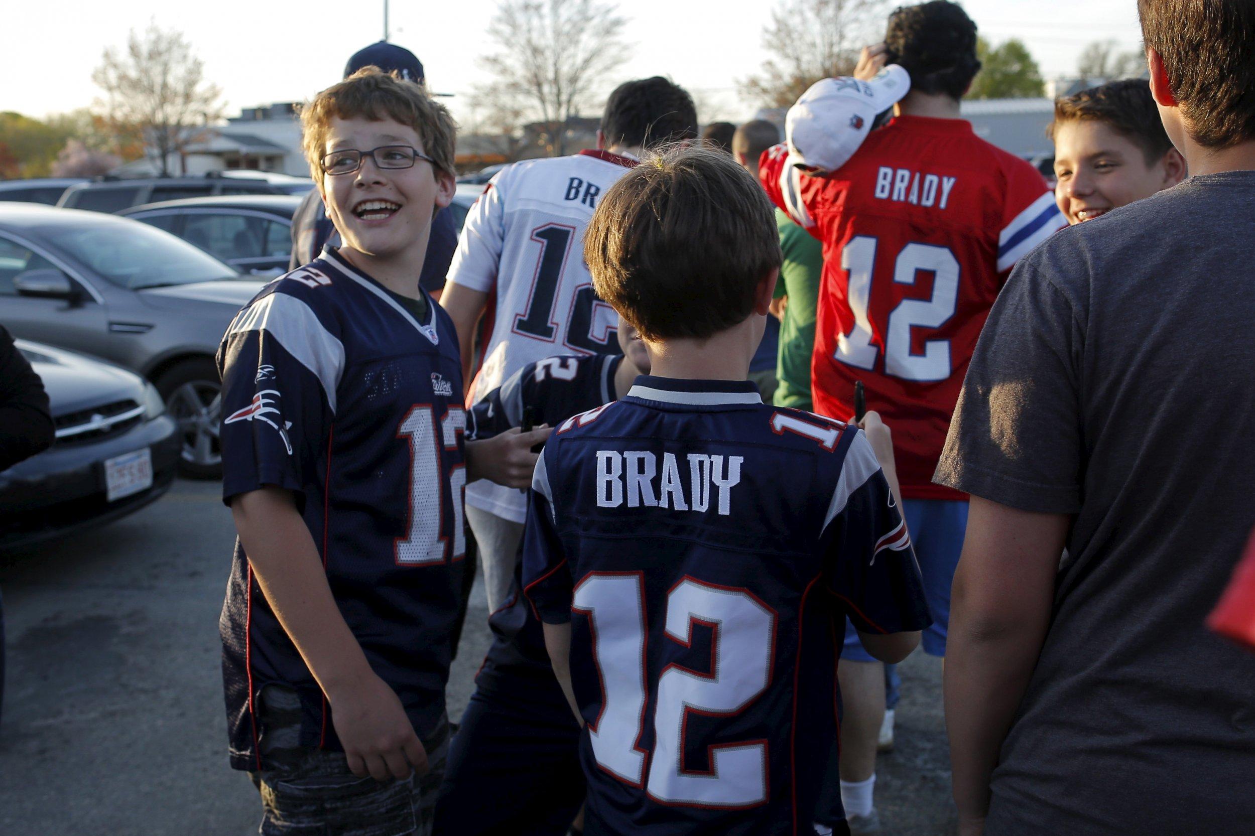 4576c68d40b Despite Deflategate, Tom Brady Jersey Tops NFL Shop Sales