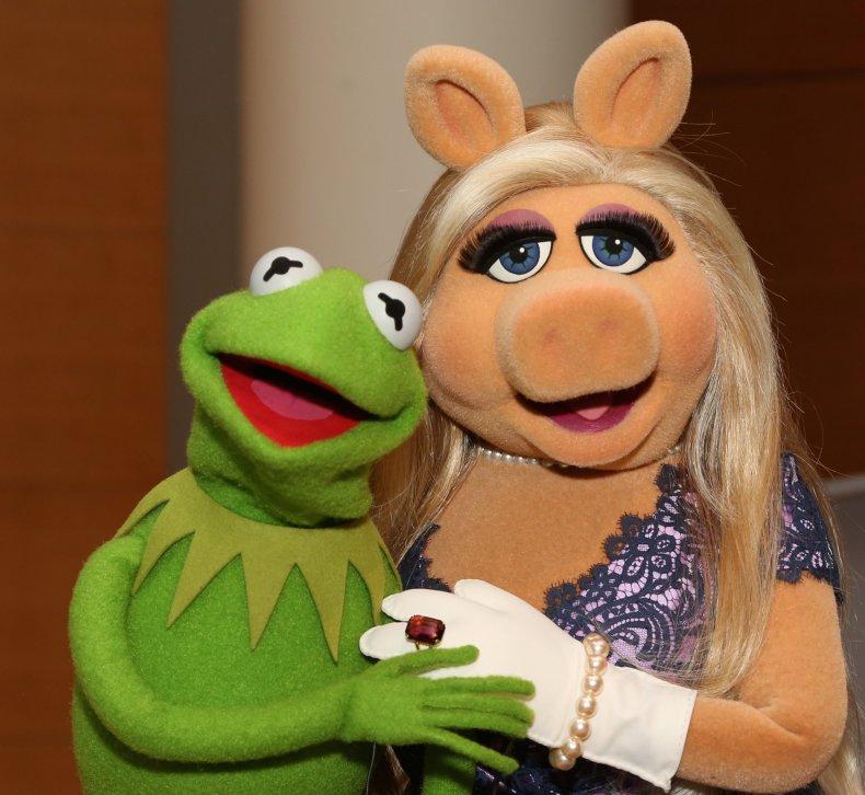 6-5-15 Miss Piggy and Kermit