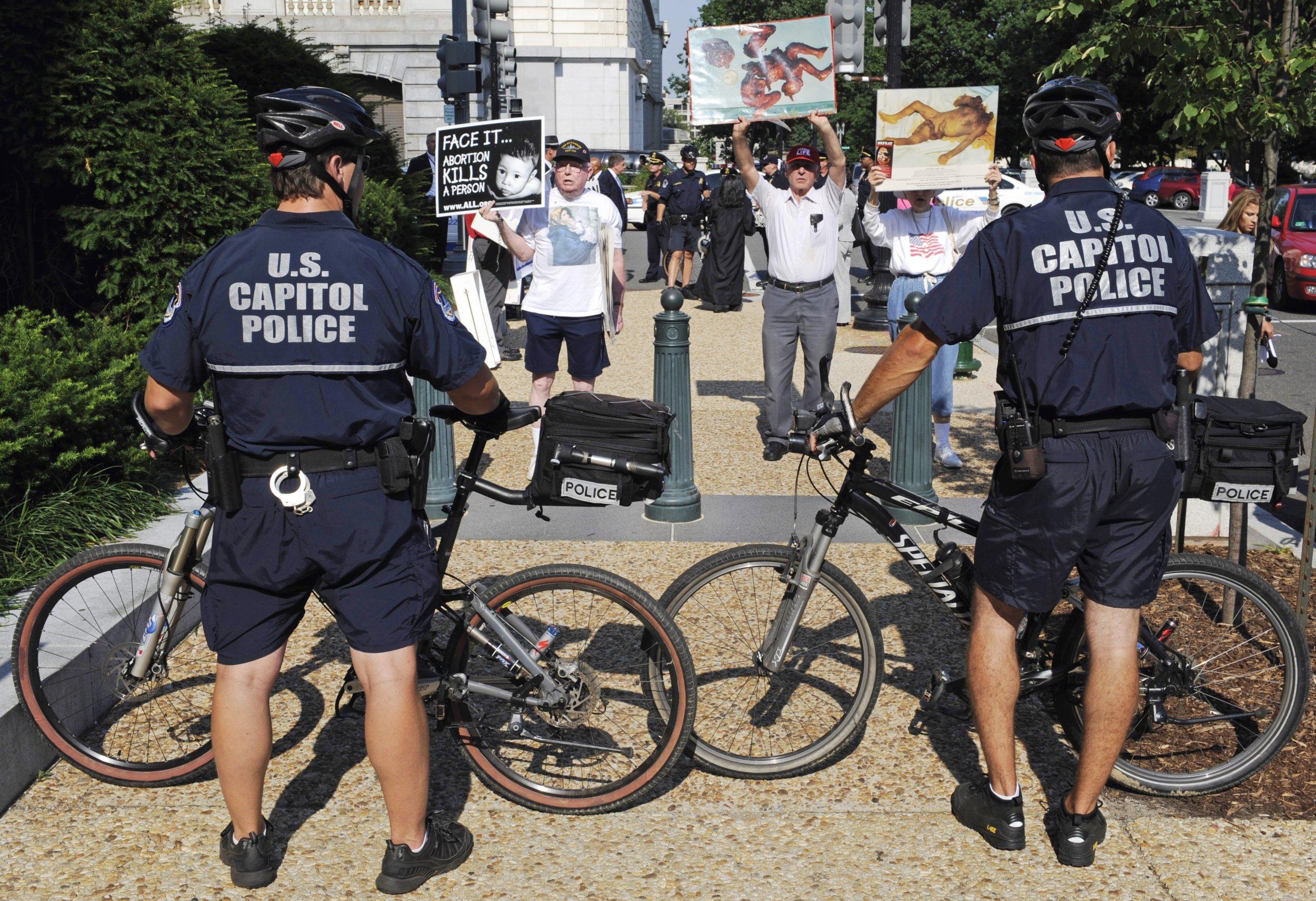 Anti-abortion protestors